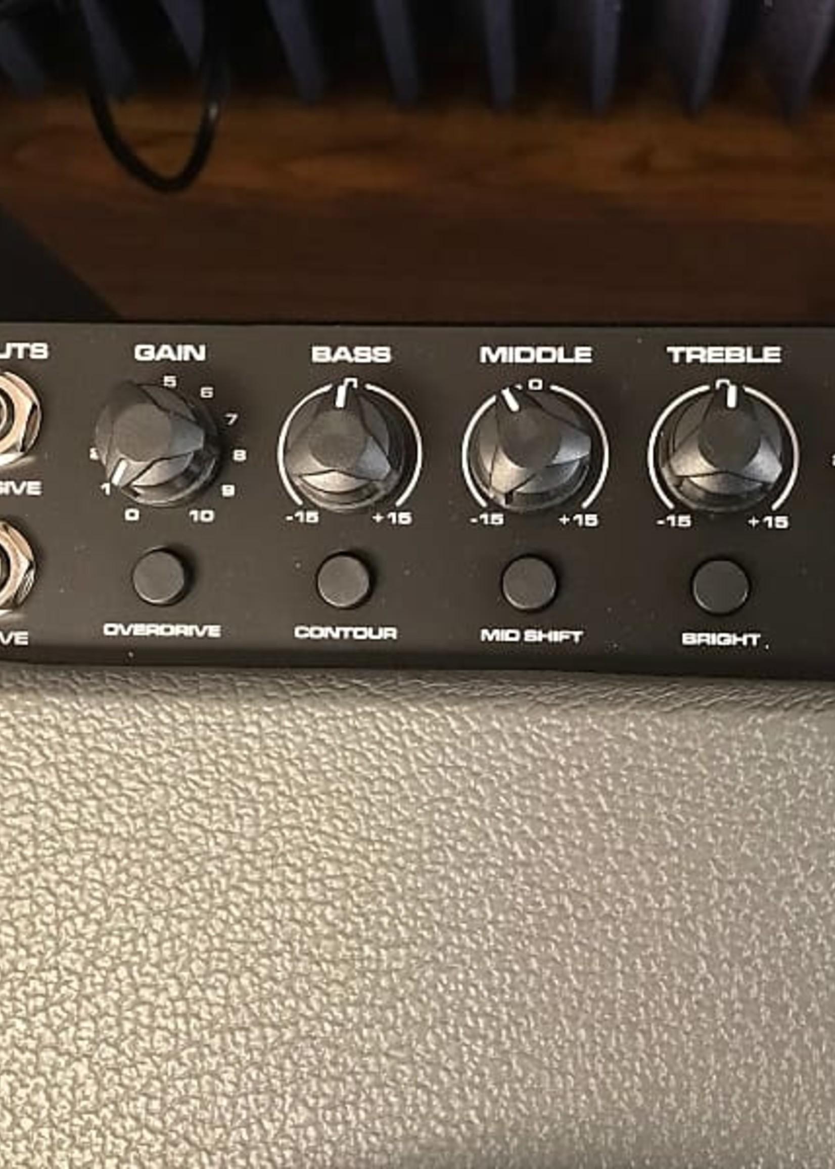 Peavey Peavey MAX 208 BASS AMP