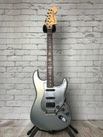 Fender FSR HSS Deluxe Stratocaster w/Case
