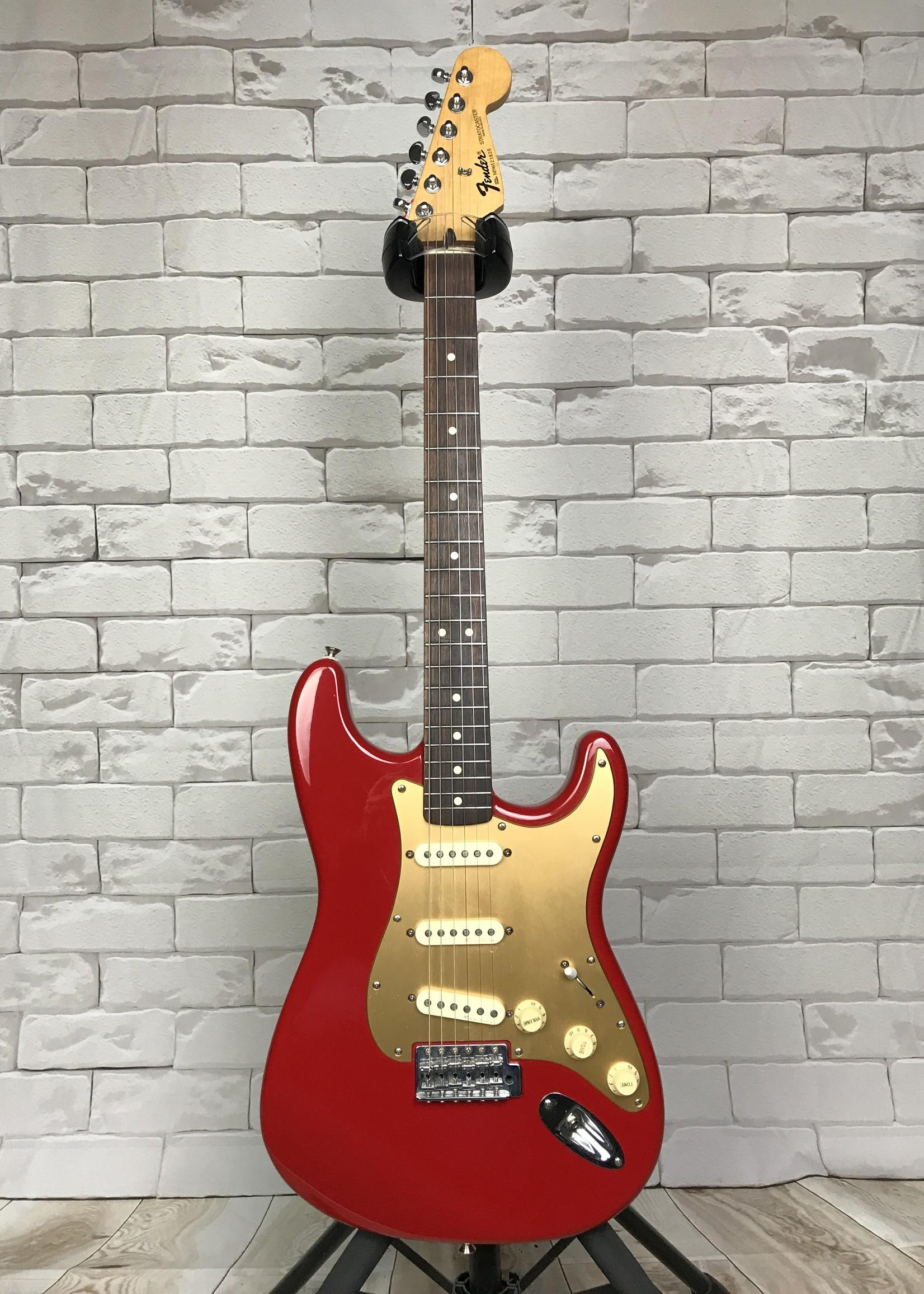 Fender 96 MIM Strat w case and Mods