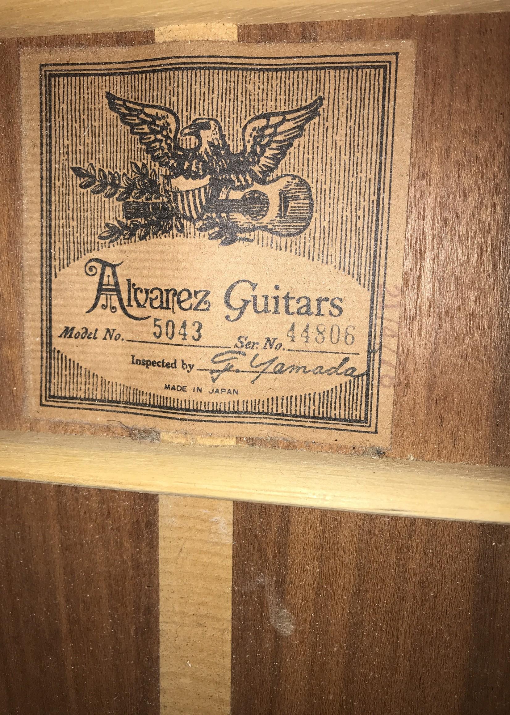 Alvarez Alvarez 5043 with Case 1976 (con) GB