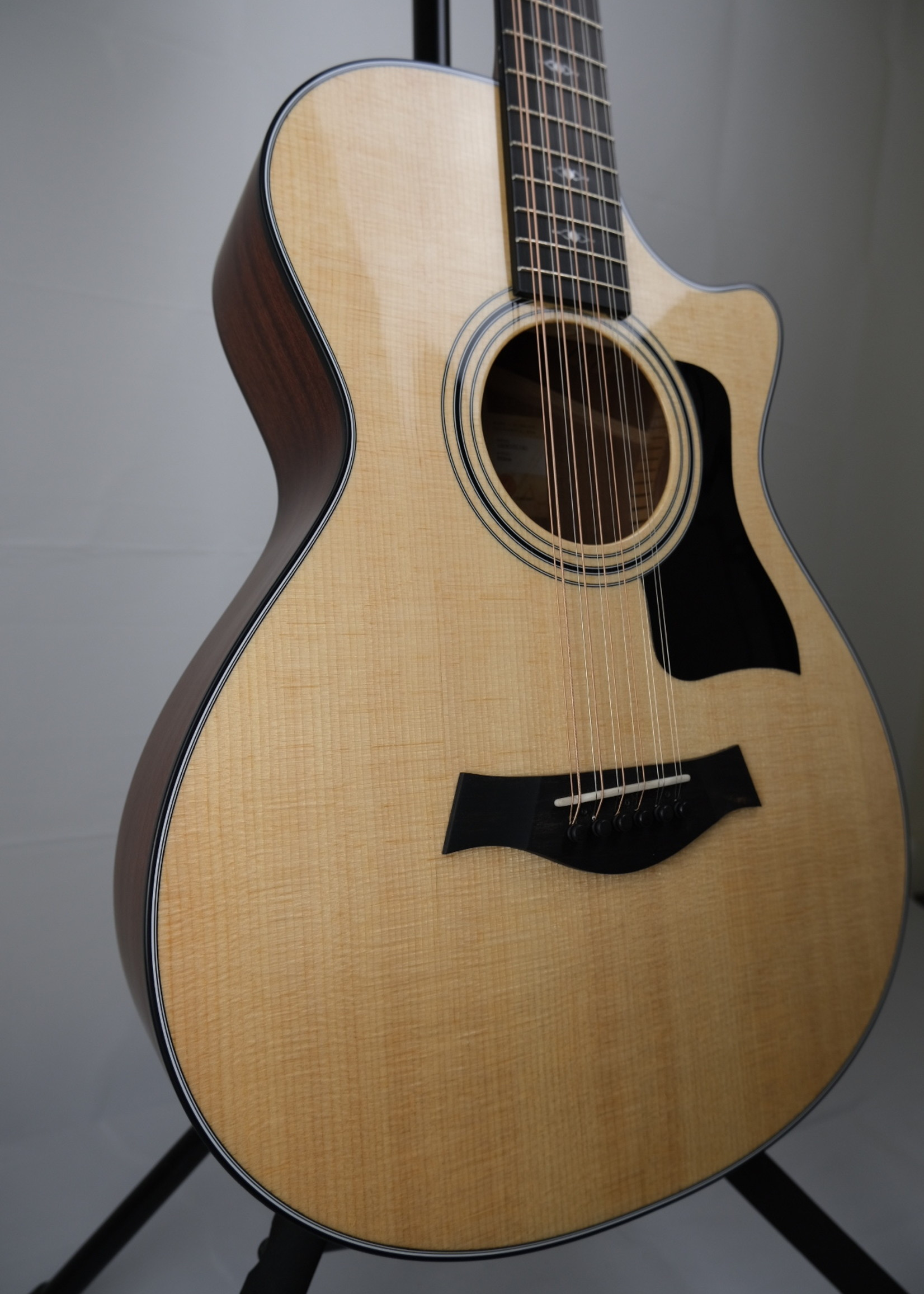 Taylor 352ce w case used