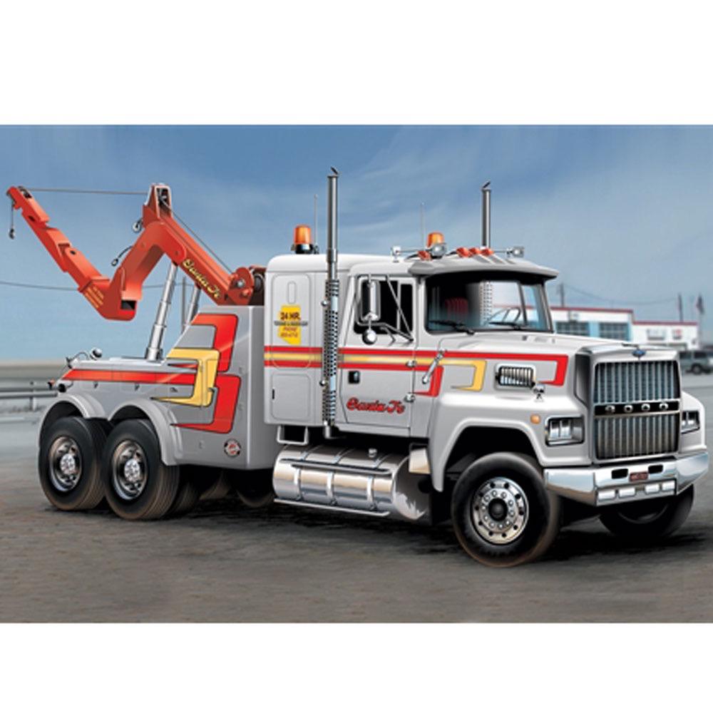 Plastic Kits ITALERI (j) US Wrecker Truck - 1:24 Scale.