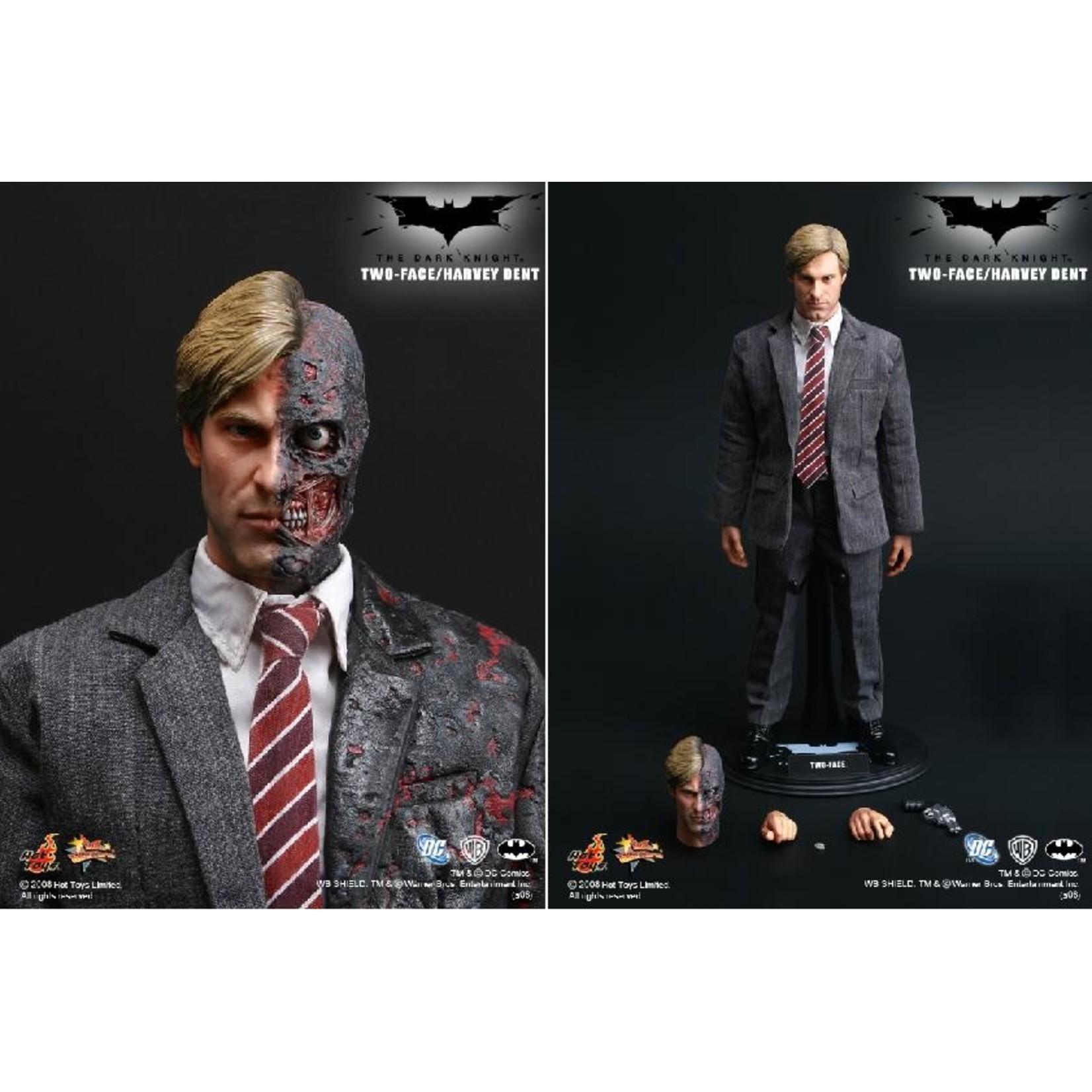 Hot Toys The Dark Knight - Two Face / Harvey Dent