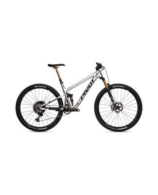 Pivot Cycles Pivot Trail 429 Pro XT/XTR w/Carbon Wheels