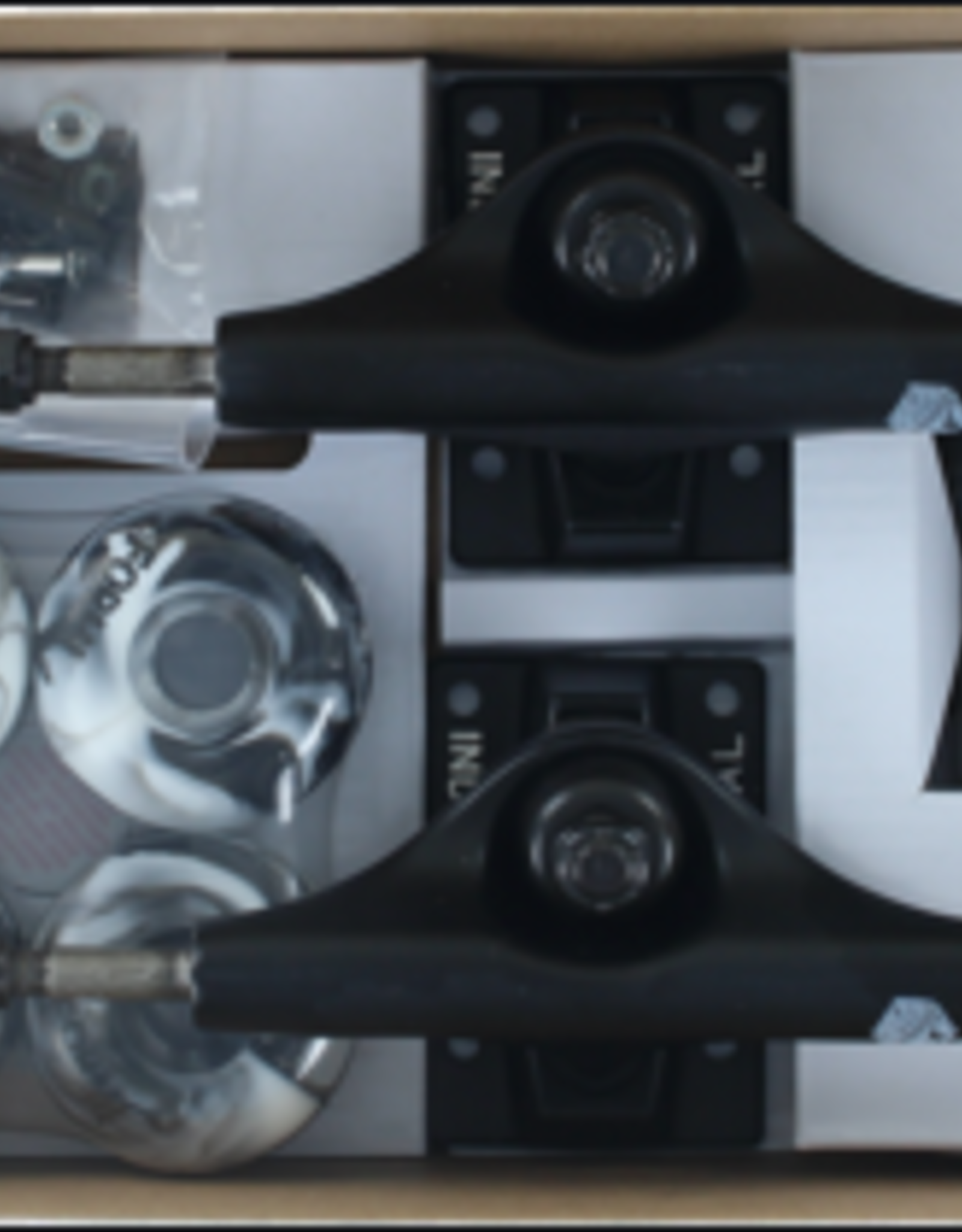 EASTERN SKATE INS COMPONENT PACK 5.0BLK/BLK w/52mm BK/WT SWIRL