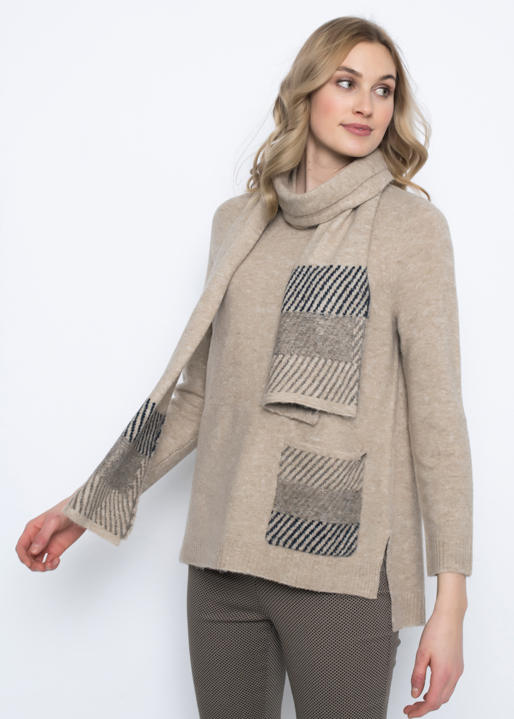 Picadilly Sweater with Pocket & Scarf