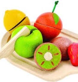 plan toys (faire) plantoys assorted fruit set 18m+