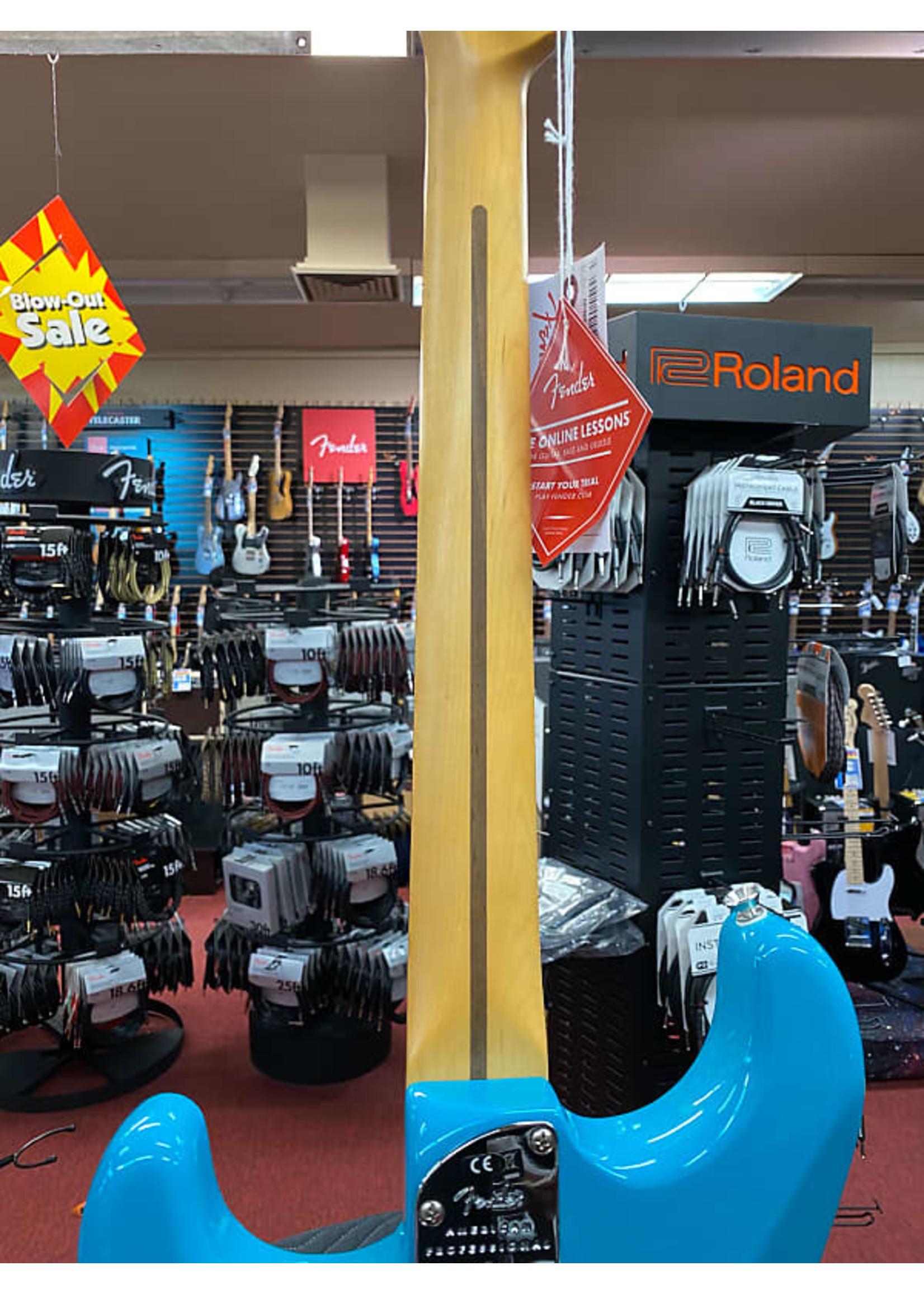 Fender Fender American Professional II Stratocaster® HSS, Rosewood Fingerboard, Miami Blue