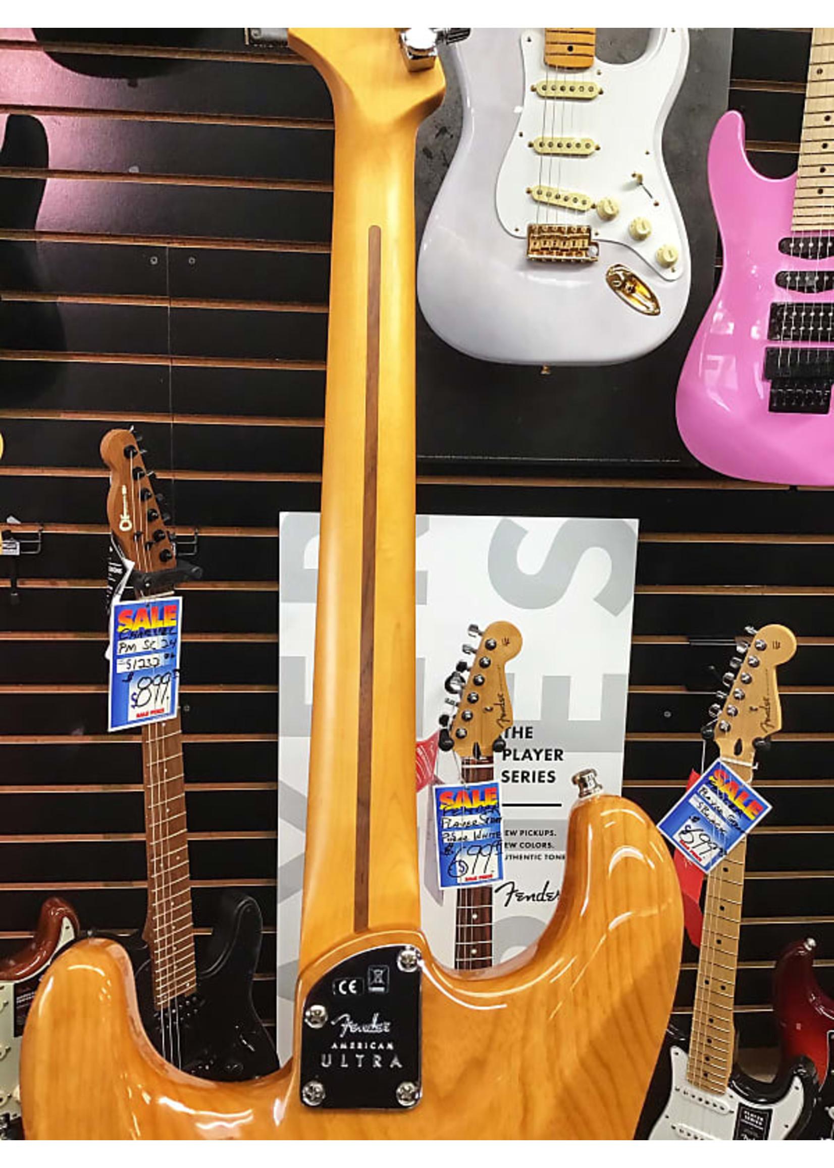 Fender Fender American Ultra Stratocaster in Aged Natural