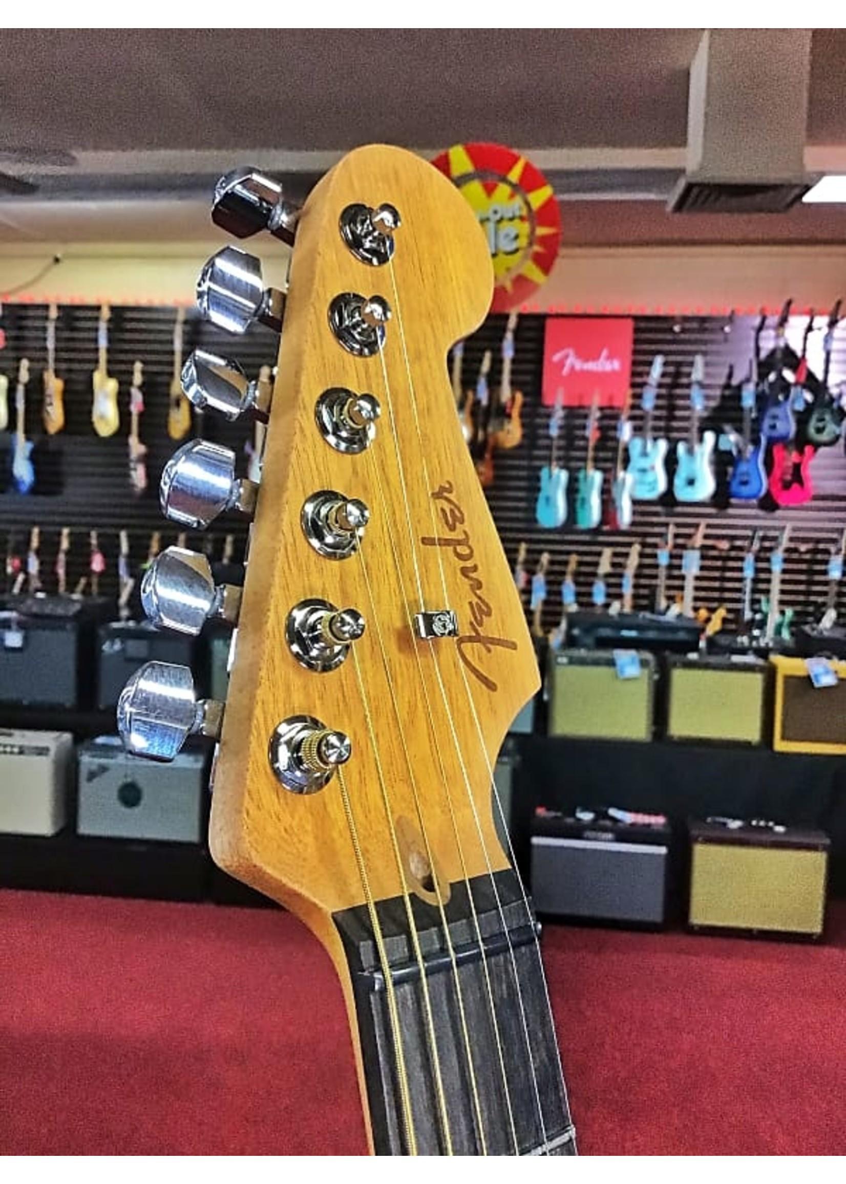 Fender Fender American Acoustasonic Stratacoustic 2020 in Transparent Sonic Blue
