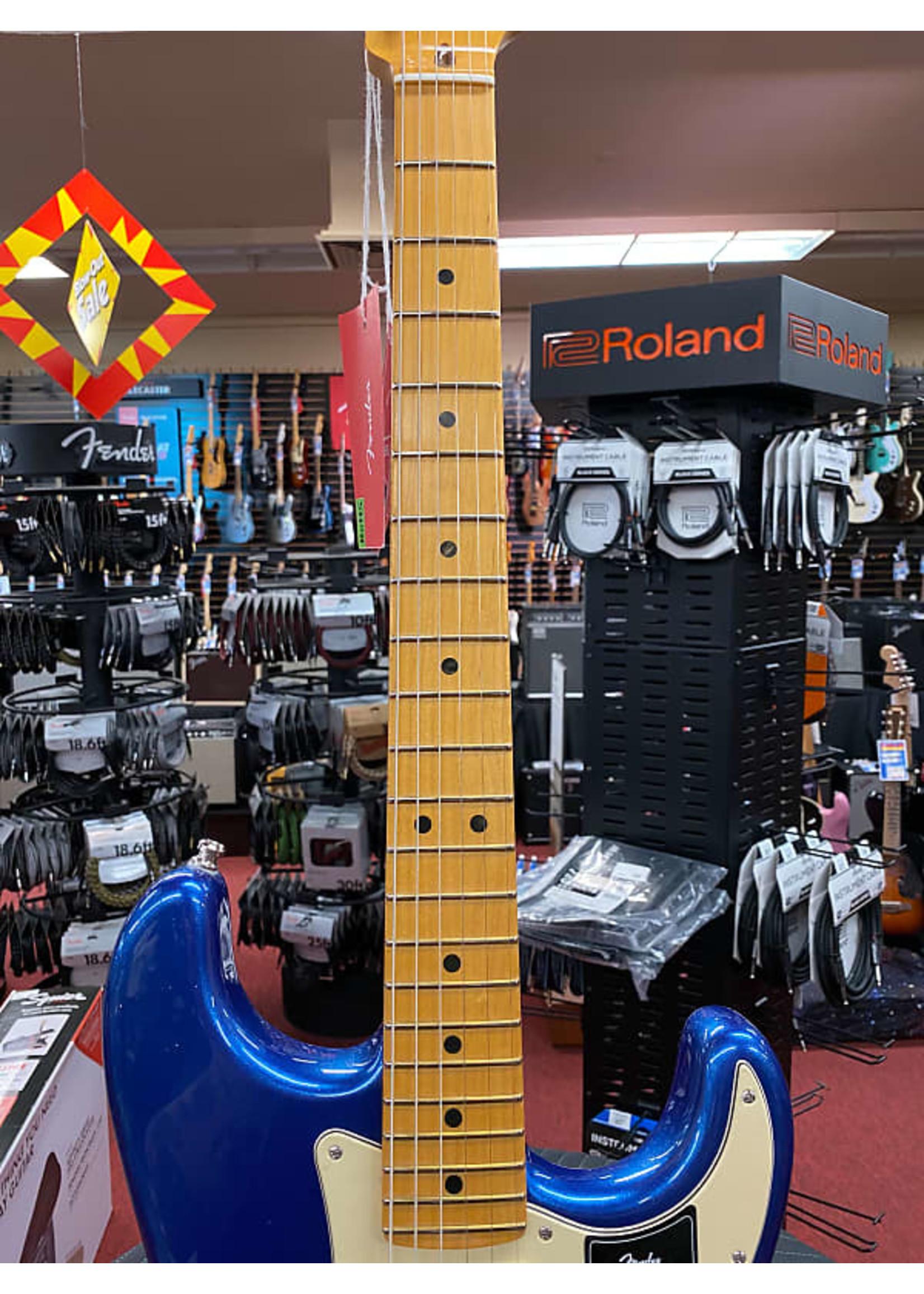 Fender Fender American Ultra Stratocaster in Cobra Blue