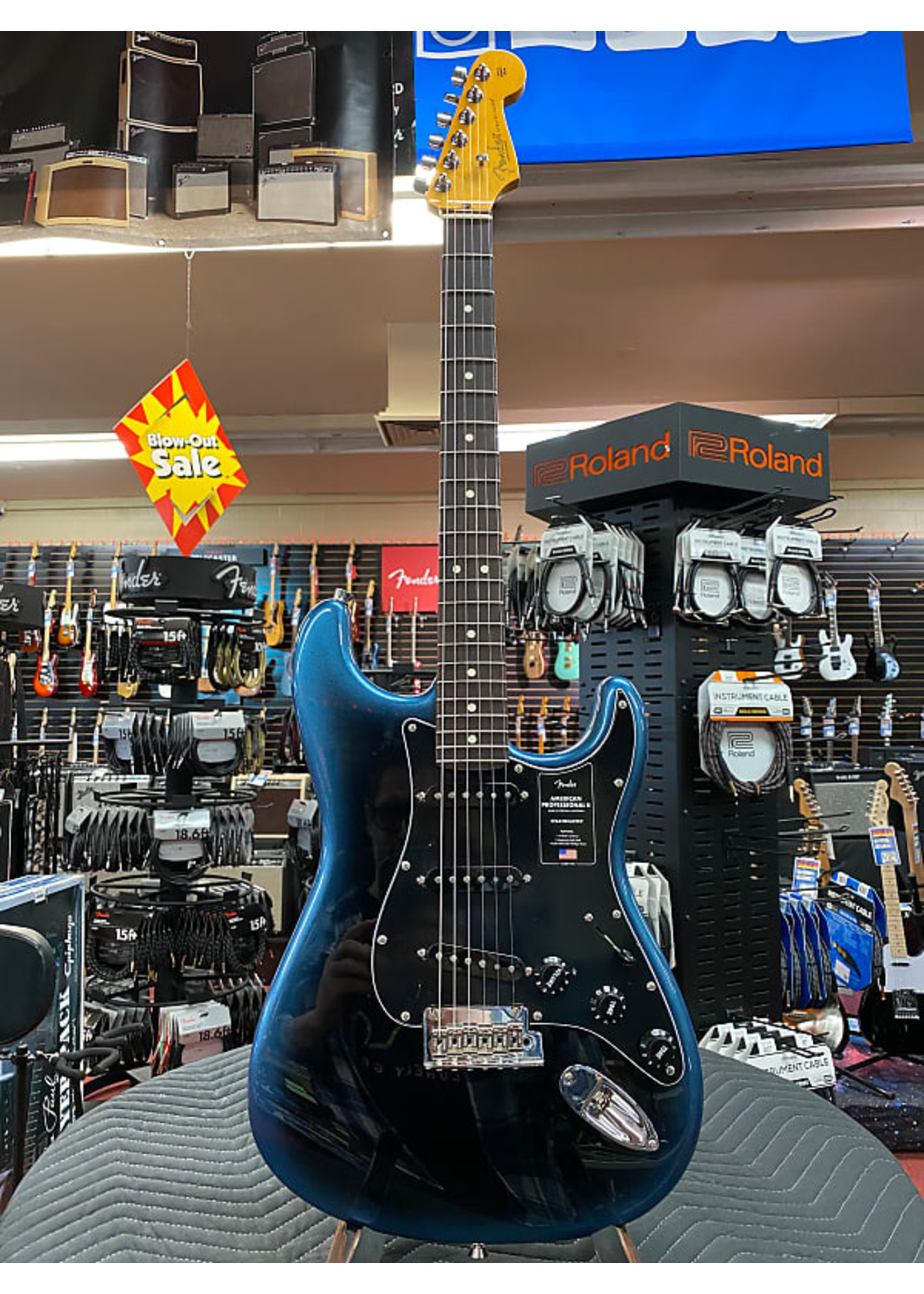 Fender Fender American Professional II Stratocaster®, Rosewood Fingerboard, Dark Night