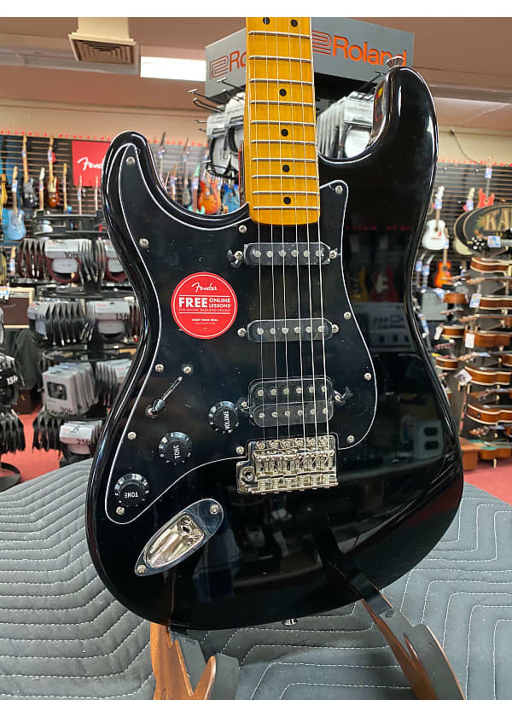 Squier Squier Classic Vibe '70s Stratocaster® HSS Left-Handed, Maple Fingerboard, Black