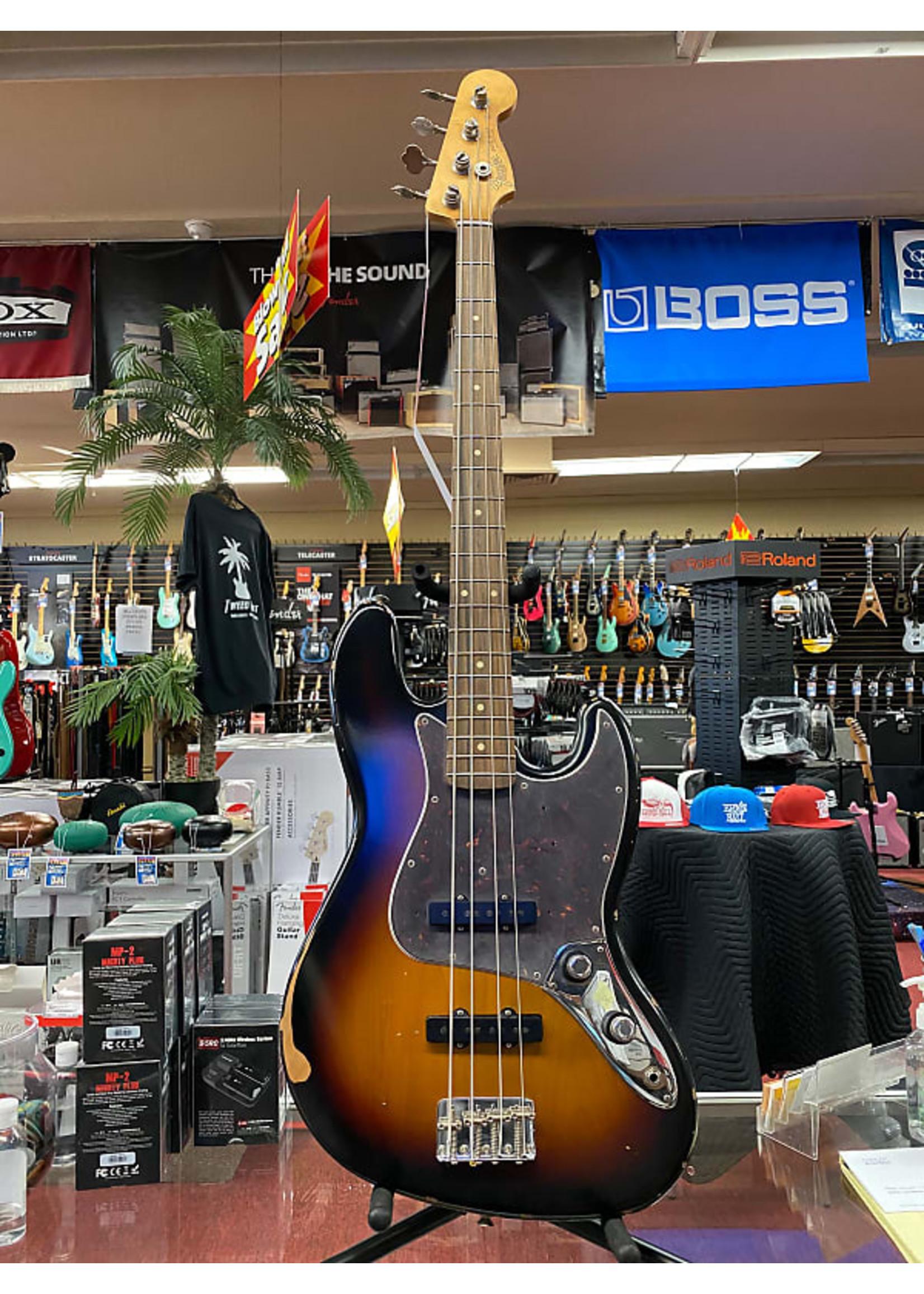 Fender Fender 60th Anniversary Road Worn® Jazz Bass®, Pau Ferro, 3-Color Sunburst