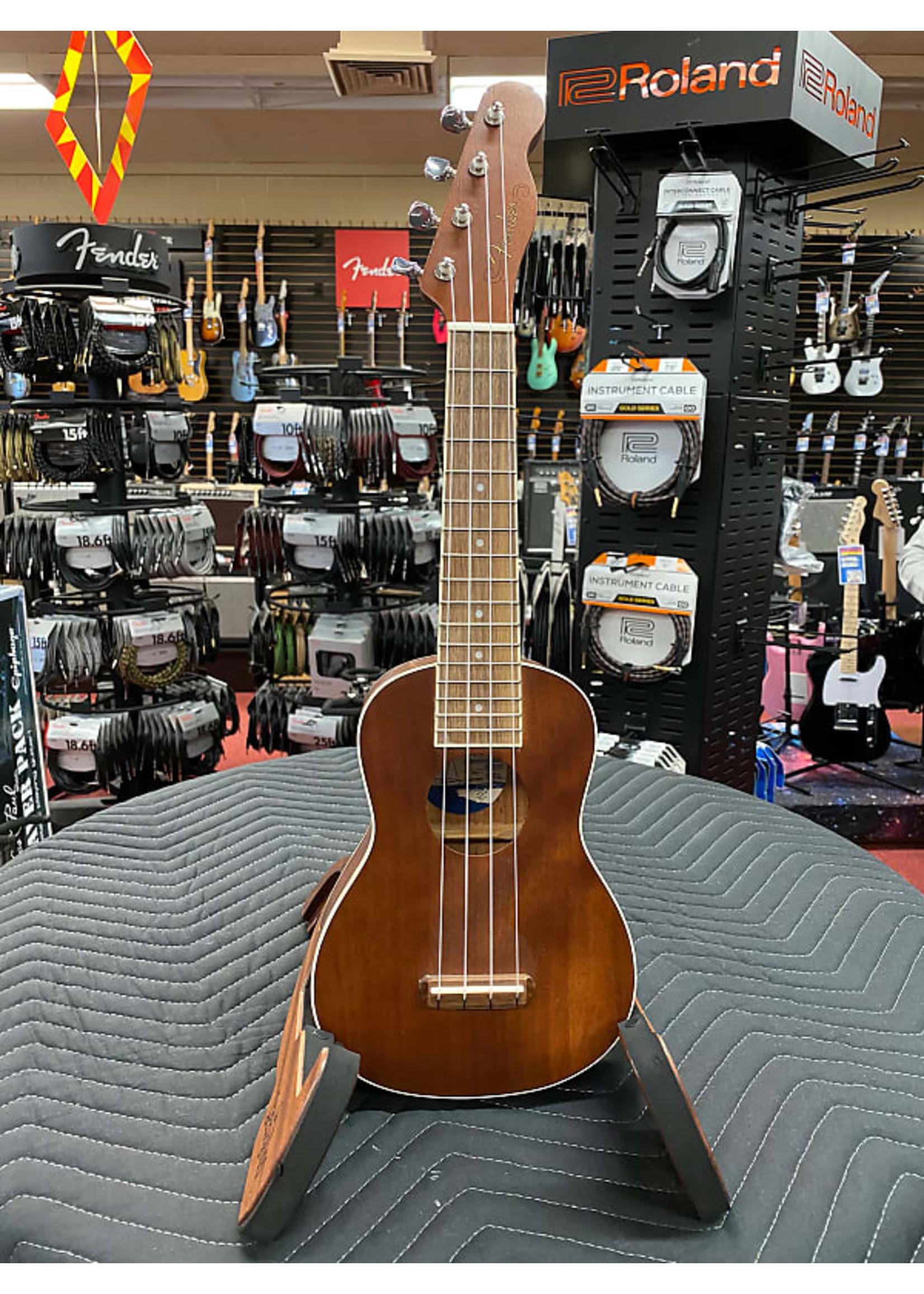 Fender Fender Seaside Soprano Ukulele Pack, Walnut Fingerboard, Natural