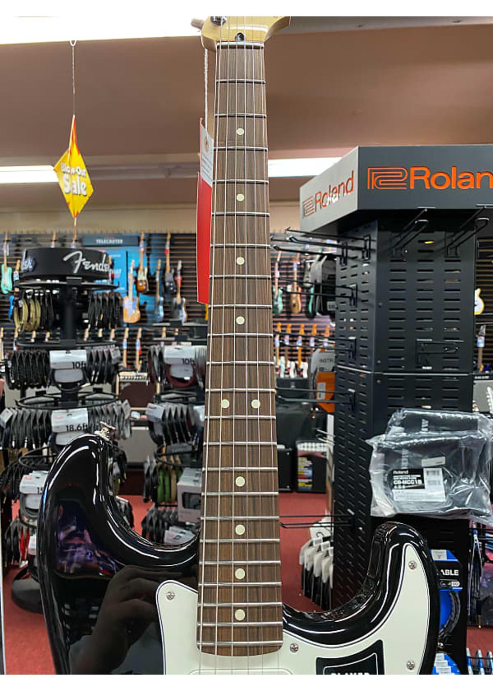 Fender Fender Player Stratocaster® HSS, Pau Ferro Fingerboard, Black