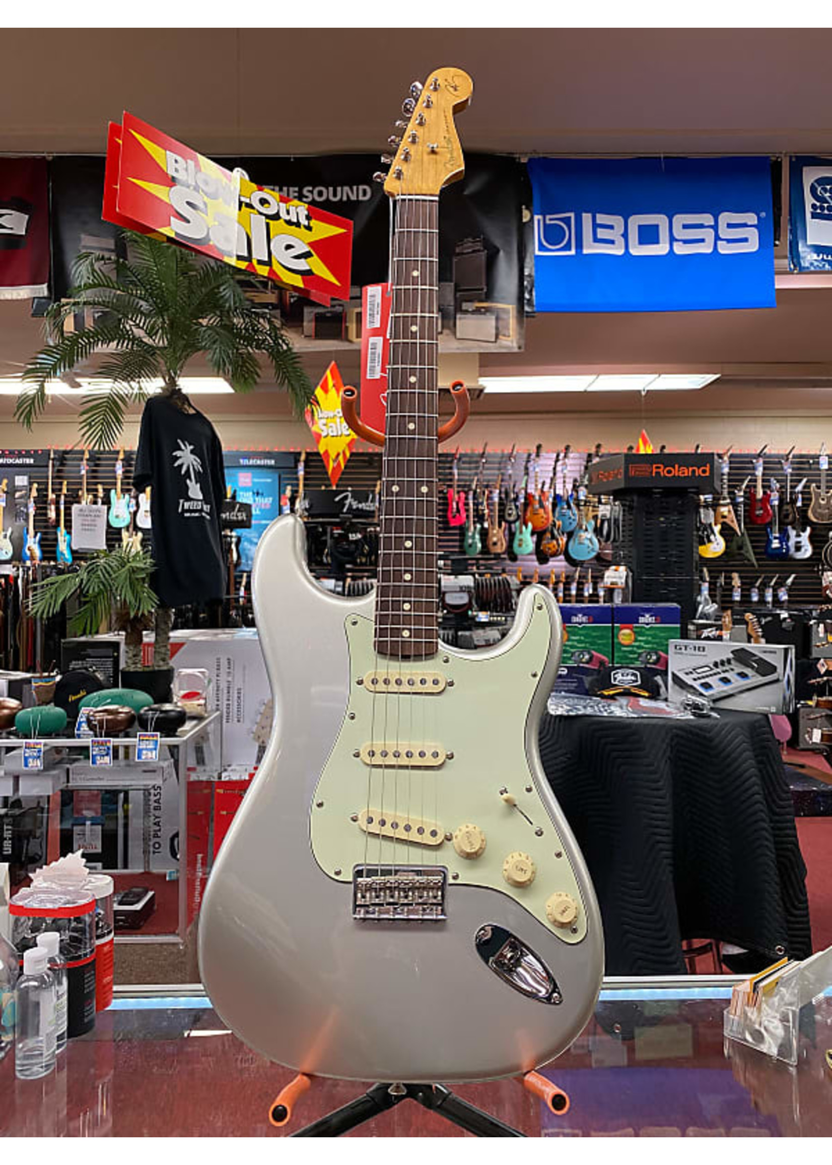 Fender Fender Robert Cray Stratocaster®, Rosewood Fingerboard, Inca Silver