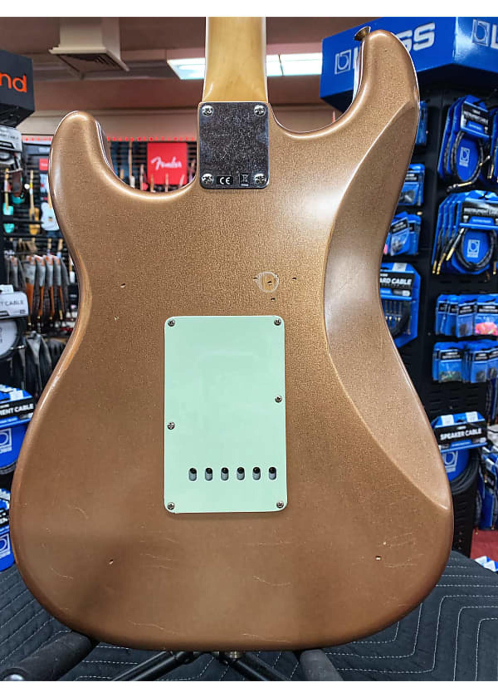 Fender Fender Vintera Road Worn '60s Stratocaster Electric Guitar - Firemist Gold