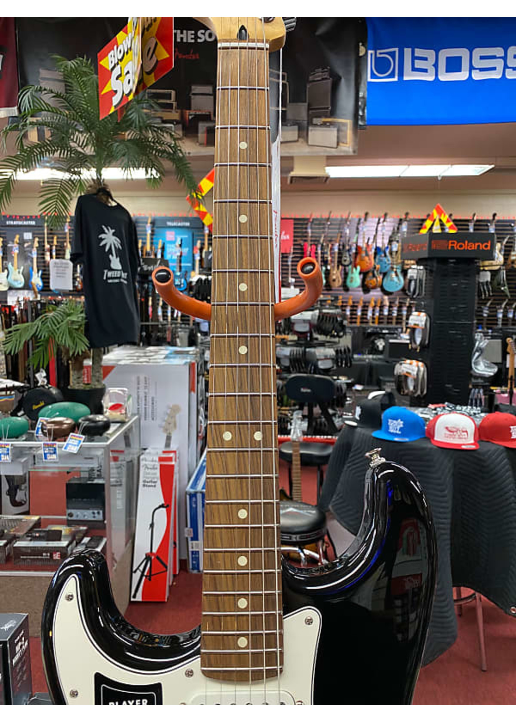 Fender Fender Player Stratocaster® Left-Handed, Pau Ferro Fingerboard, Black