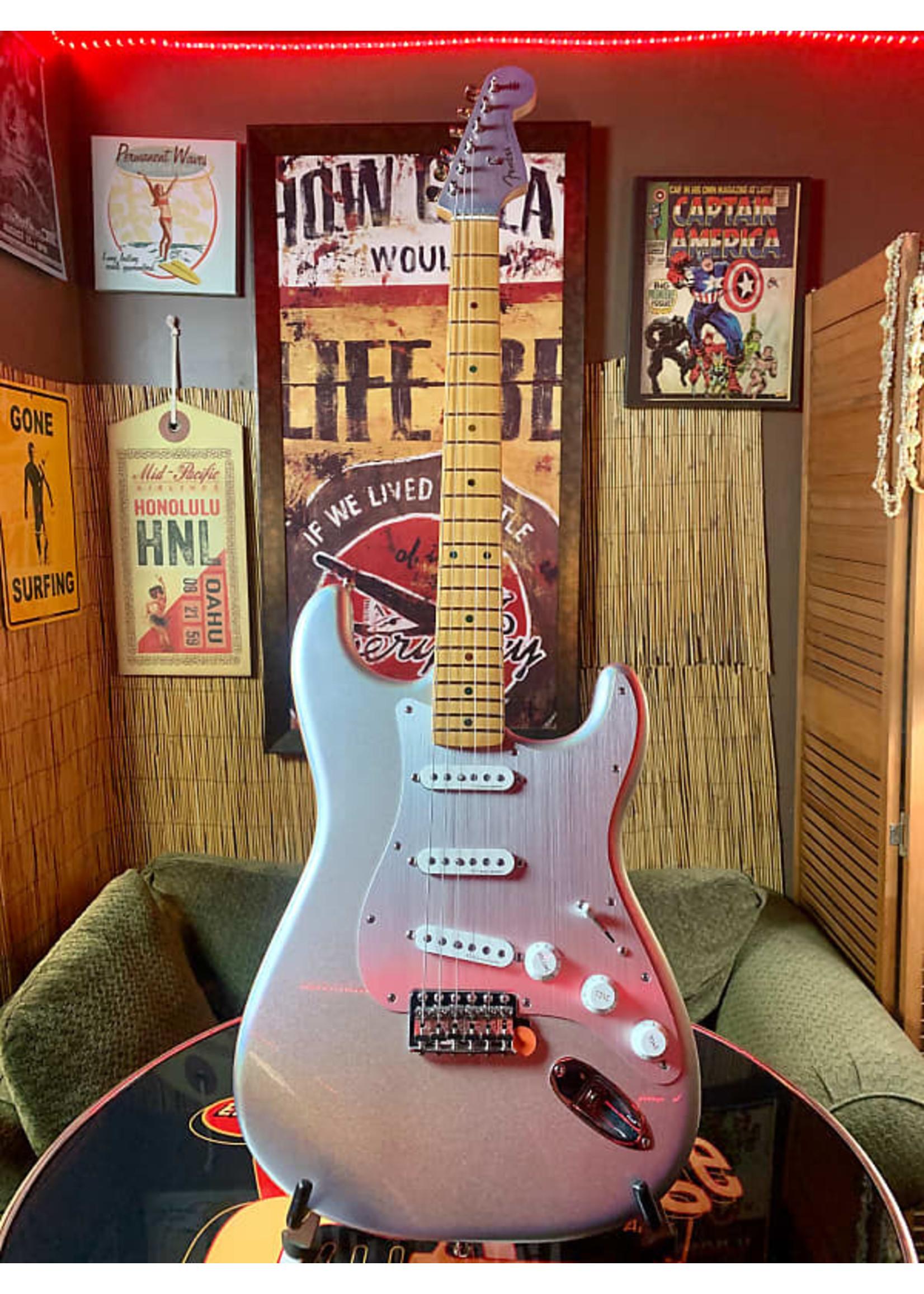 Fender Fender H.E.R. Stratocaster - Chrome Glow