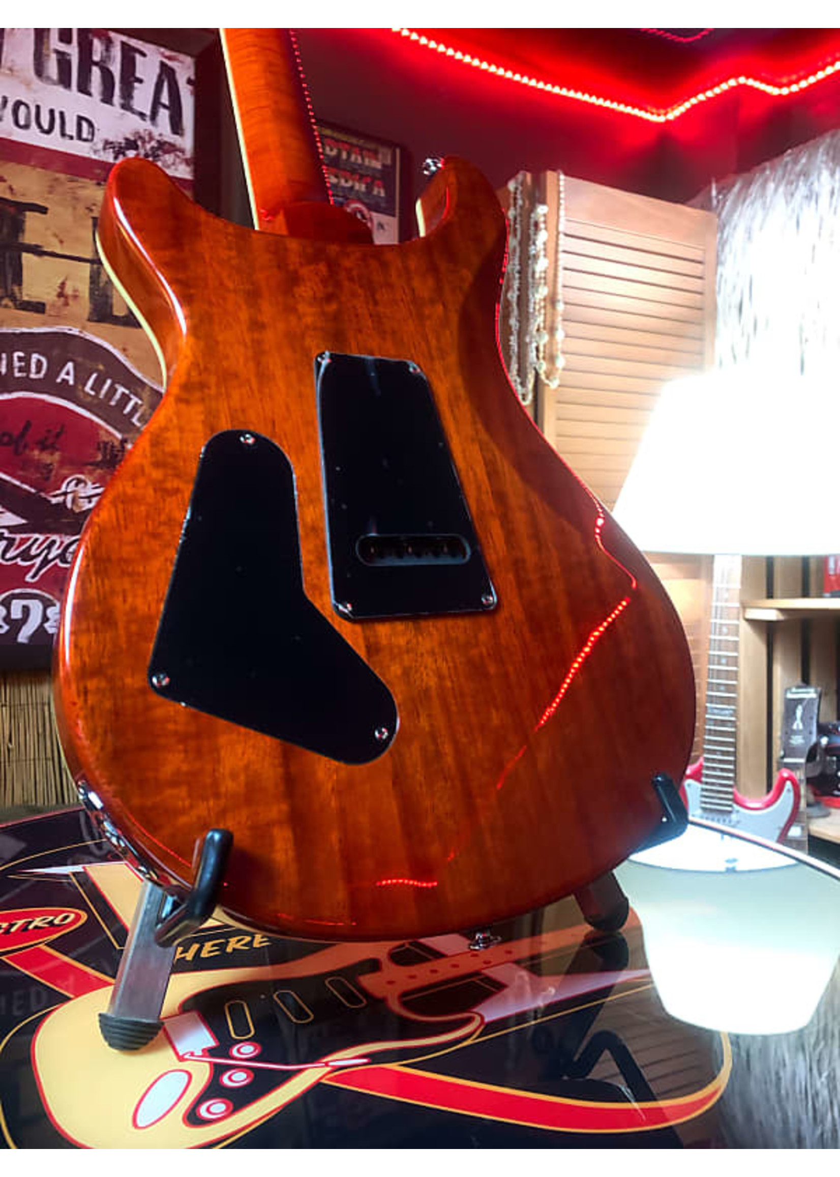 Paul Reed Smith Paul Reed Smith SE Custom 24 in Exotic Laurel finish