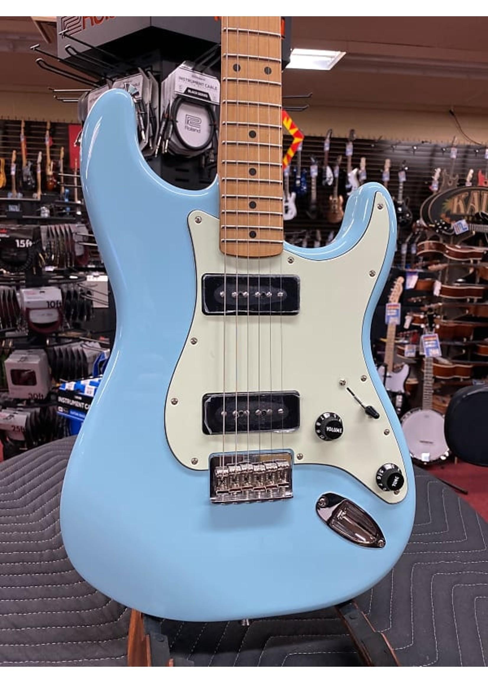 Fender Fender Noventa Strat Maple Neck Daphne Blue