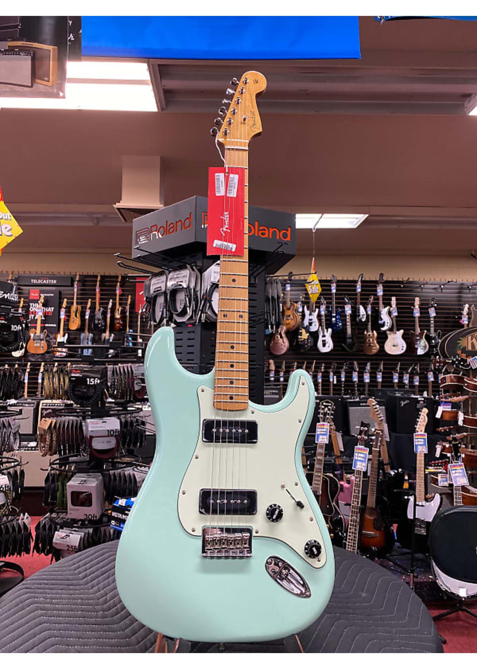 Fender Fender Noventa Strat Maple neck Surf Green