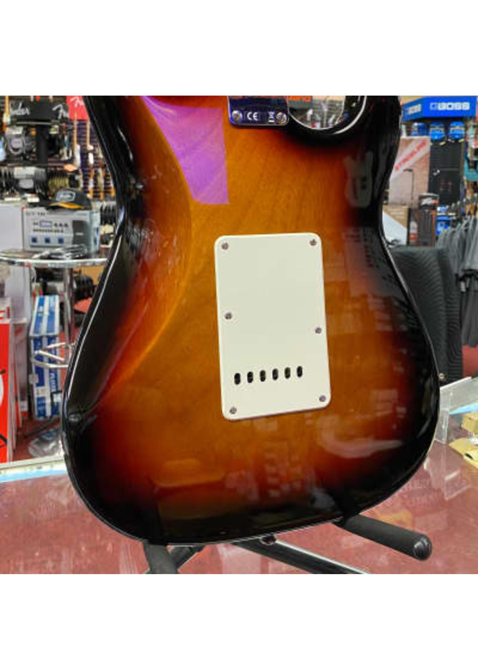 Squier Squier Classic Vibe '60s Stratocaster® Left-Handed, Laurel Fingerboard, 3-Color Sunburst