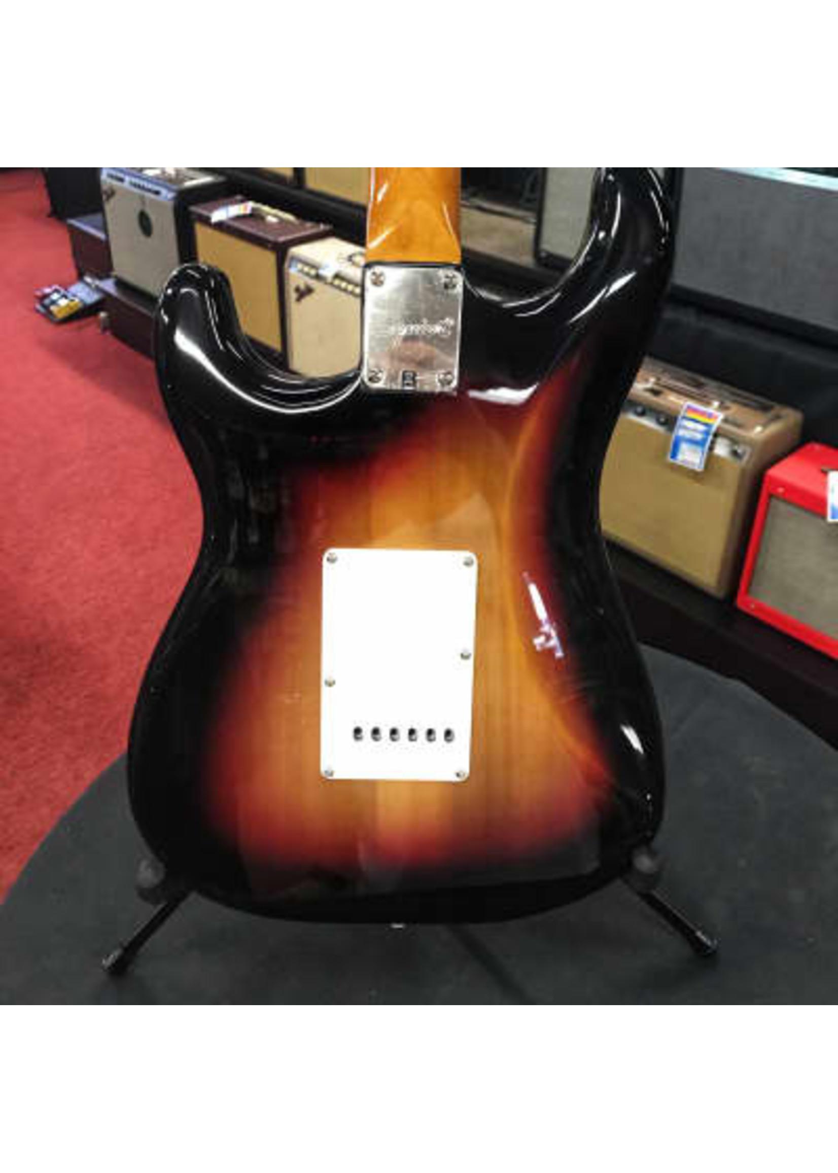 Squier Squier Classic Vibe '60s Stratocaster, Laurel Fingerboard 3 Tone Sunburst