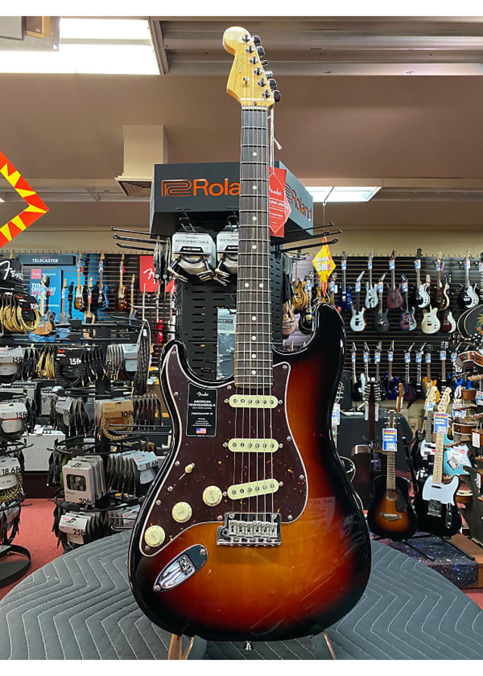 Fender Fender American Professional II Stratocaster® Left-Hand, Rosewood Fingerboard, 3-Color Sunburst