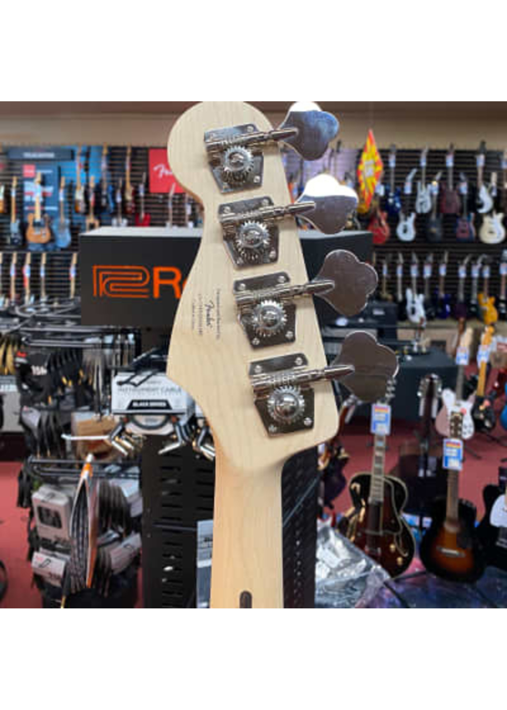Squier Affinity Series™ Jaguar® Bass H, Laurel Fingerboard, Black Pickguard, Charcoal Frost Metallic