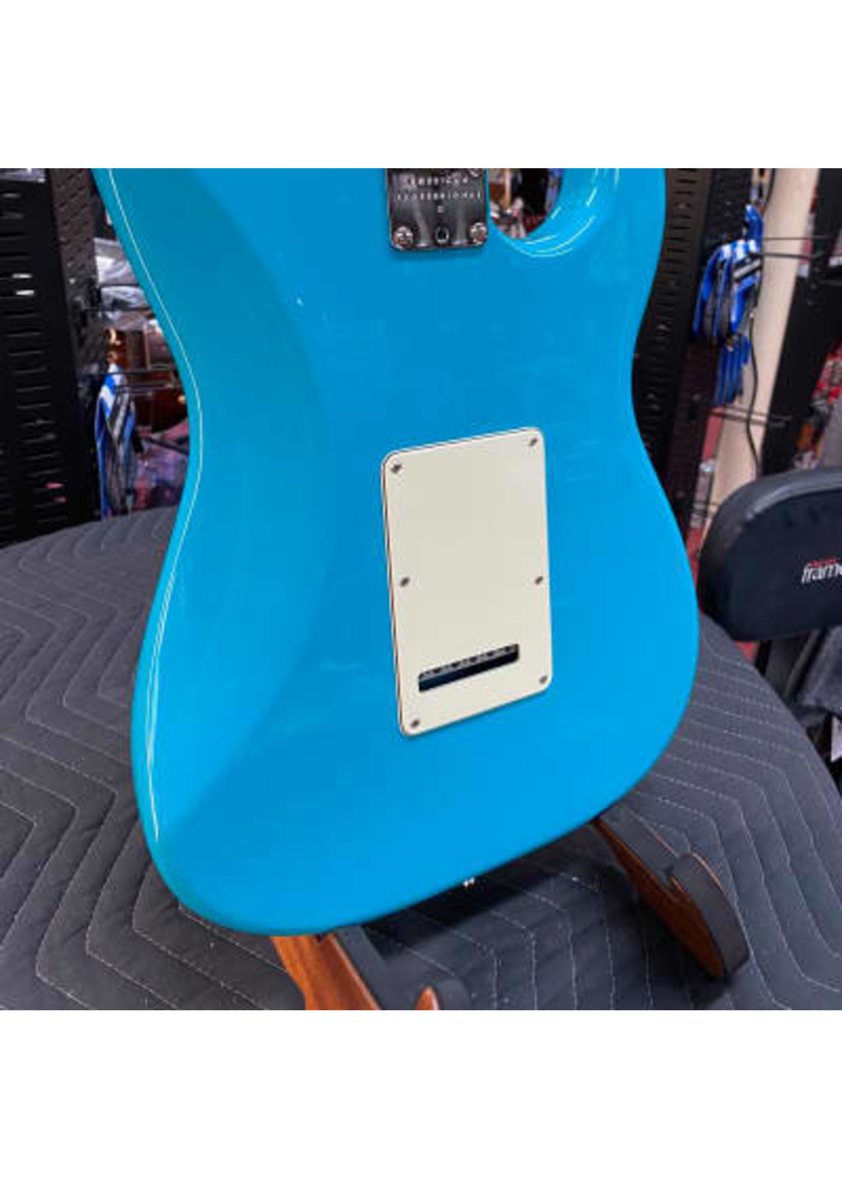 Fender American Professional II Stratocaster® Left-Hand, Rosewood Fingerboard, Miami Blue