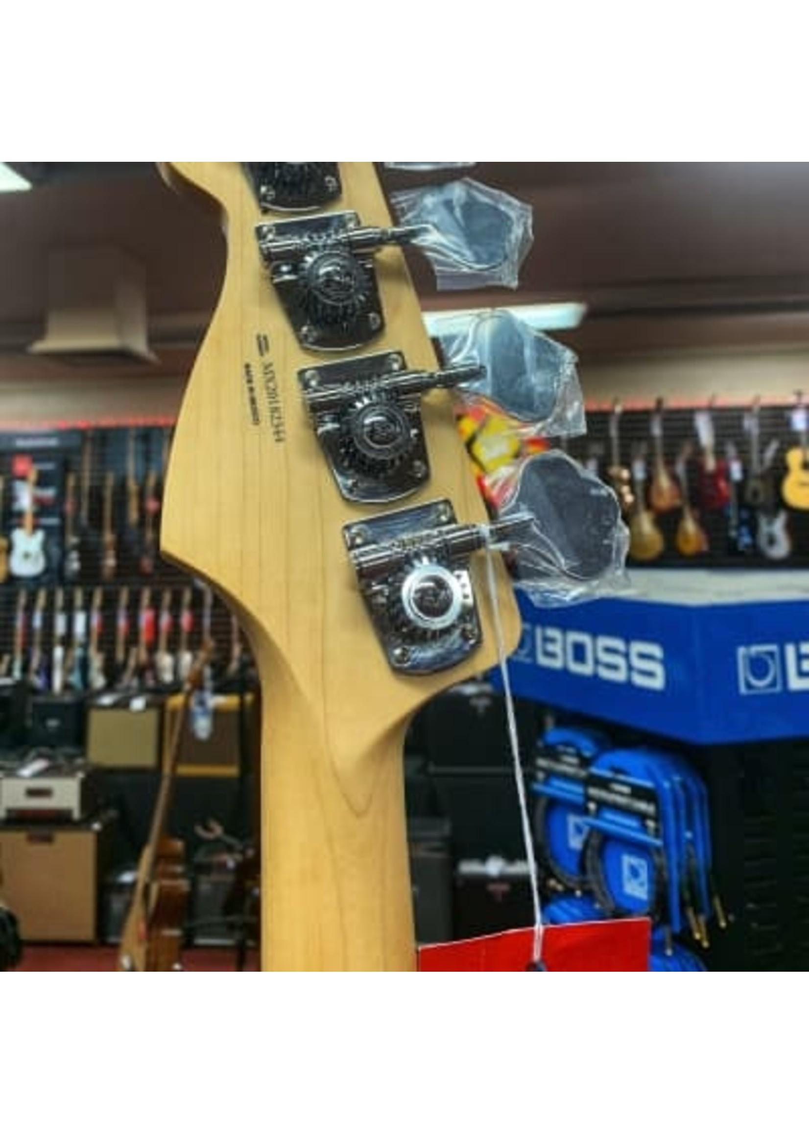Fender Fender Player Jazz Bass - Black with Pau Ferro Fingerboard
