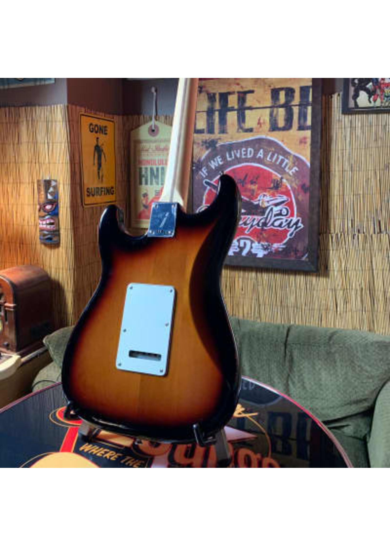 Fender Fender Player Stratocaster W/ Pau Ferro Fingerboard in 3-Color Sunburst