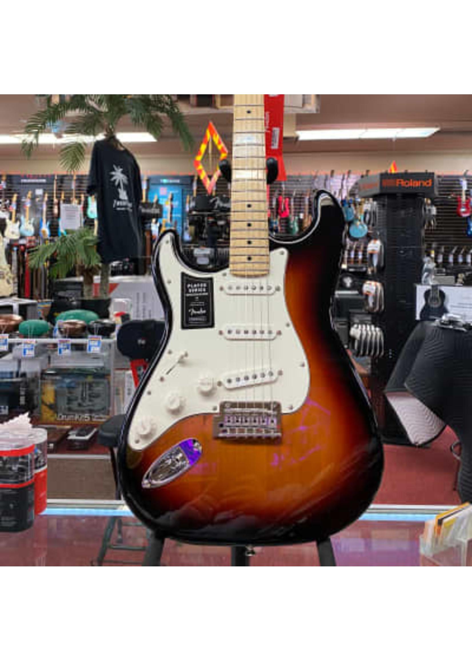 Fender Fender Player Stratocaster® Left-Handed, Maple Fingerboard, 3-Color Sunburst
