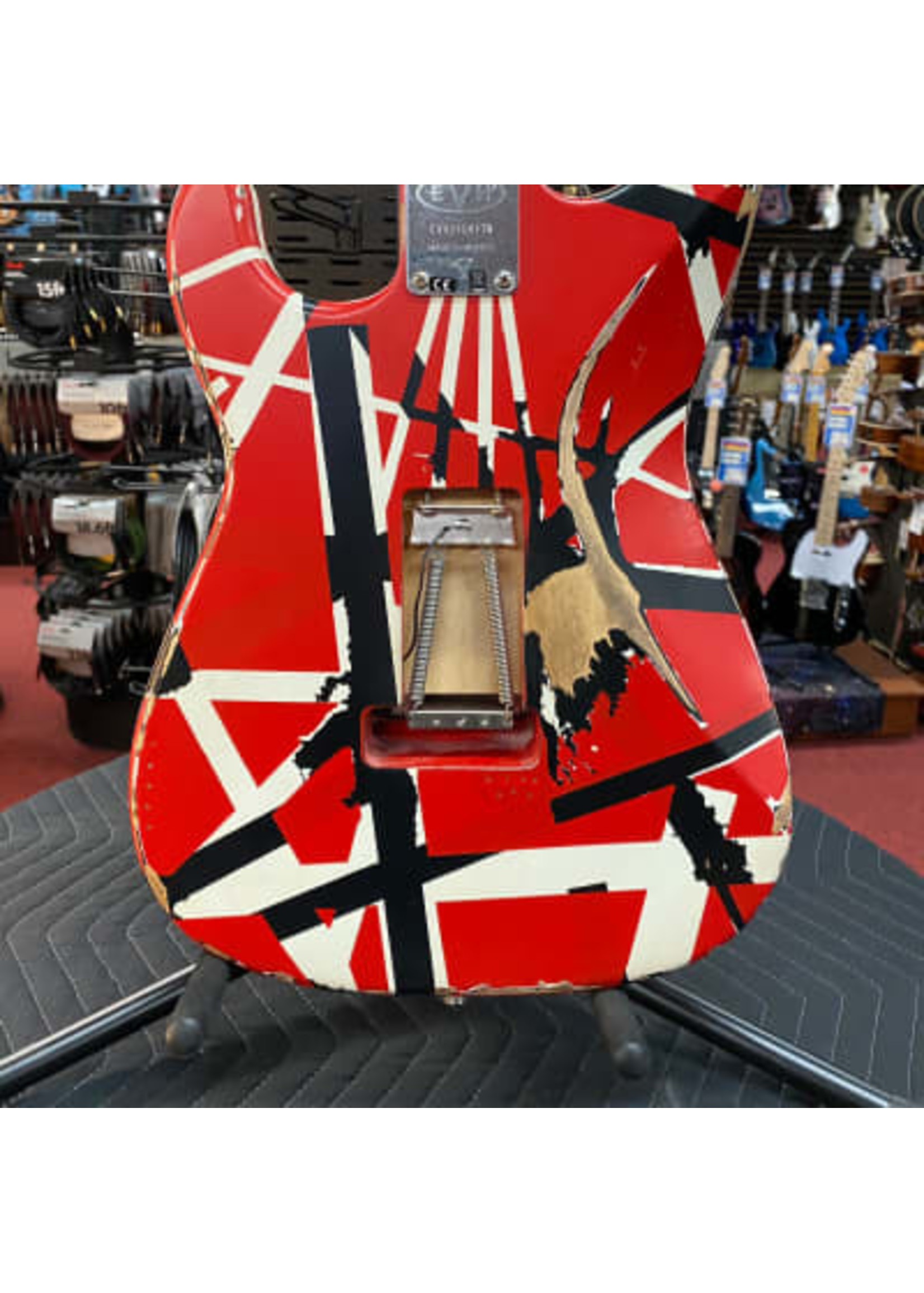 EVH EVH Striped Series Frankenstein™ Frankie, Maple Fingerboard, Red with Black Stripes Relic