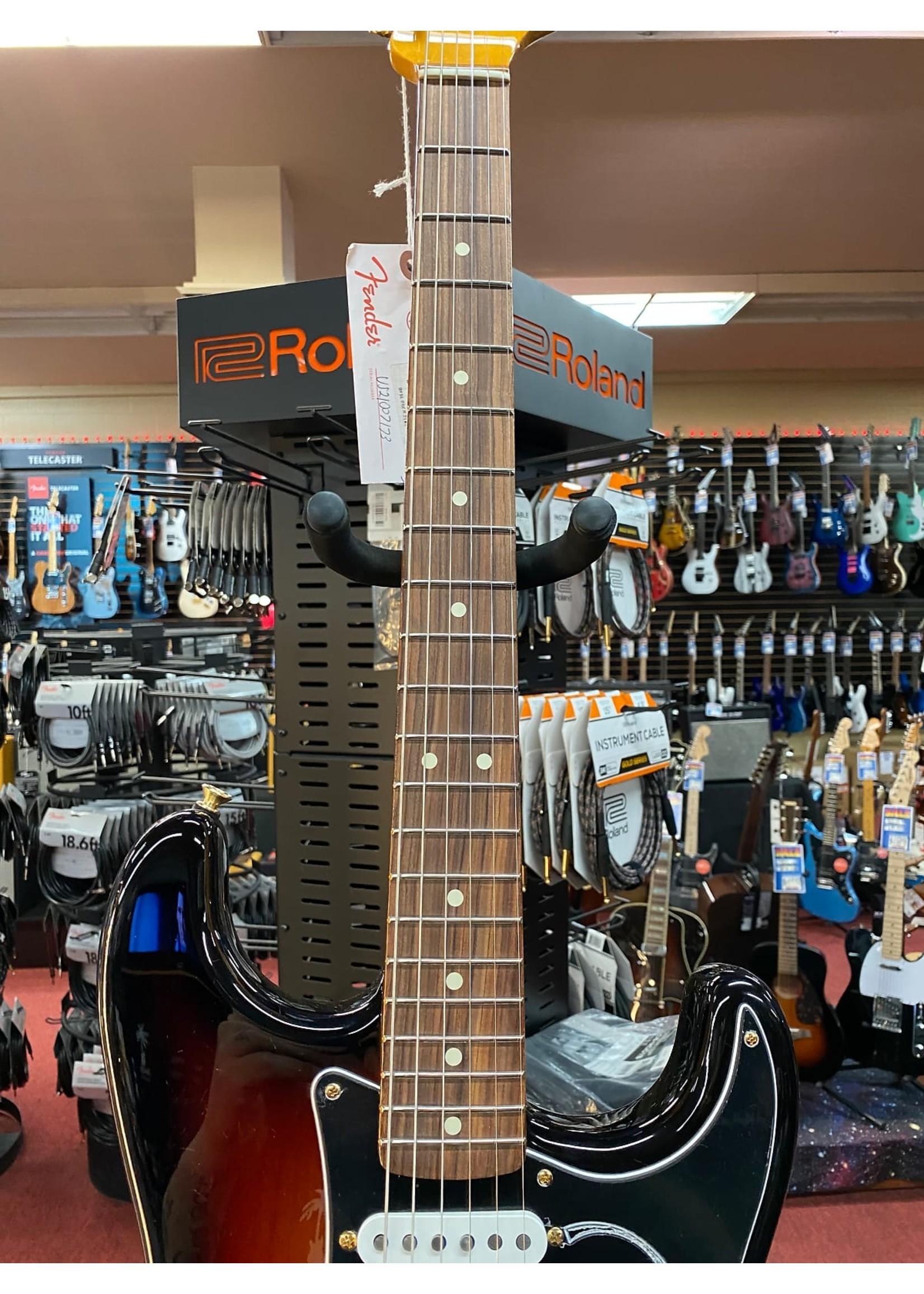 Fender Fender Stevie Ray Vaughan Stratocaster®, Pau Ferro Fingerboard, 3-Color Sunburst