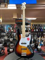 Squier Squier Affinity Series™ Jazz Bass®, Maple Fingerboard, White Pickguard, 3-Color Sunburst