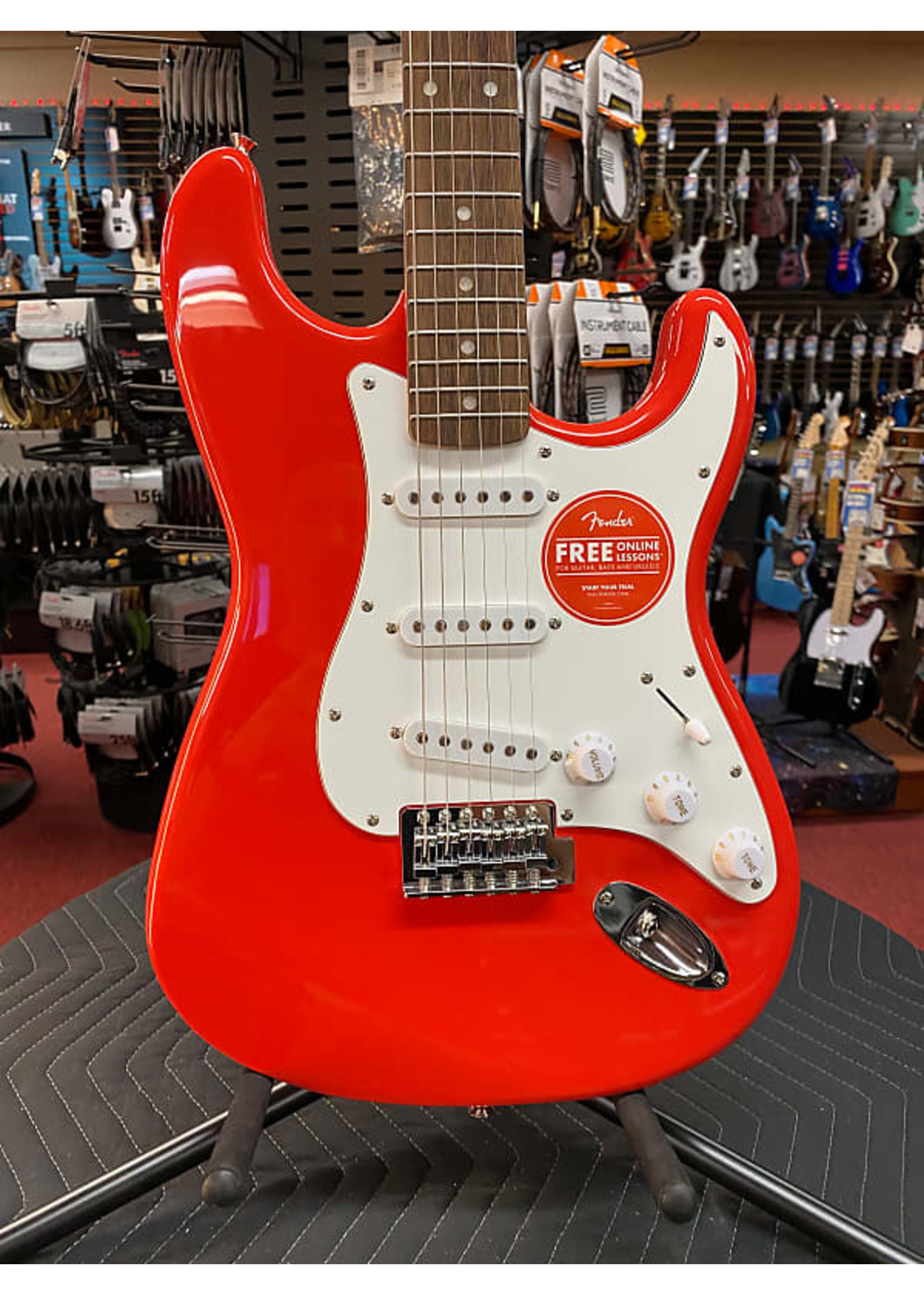 Fender Squier Affinity Stratocaster - Race Red with Rosewood Fingerboard