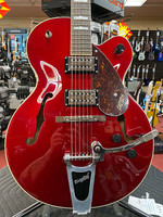 Gretsch GretschG2420T Streamliner Hollow Body with Bigsby, Laurel Fingerboard, BT-2S Pu's, Candy Apple Red