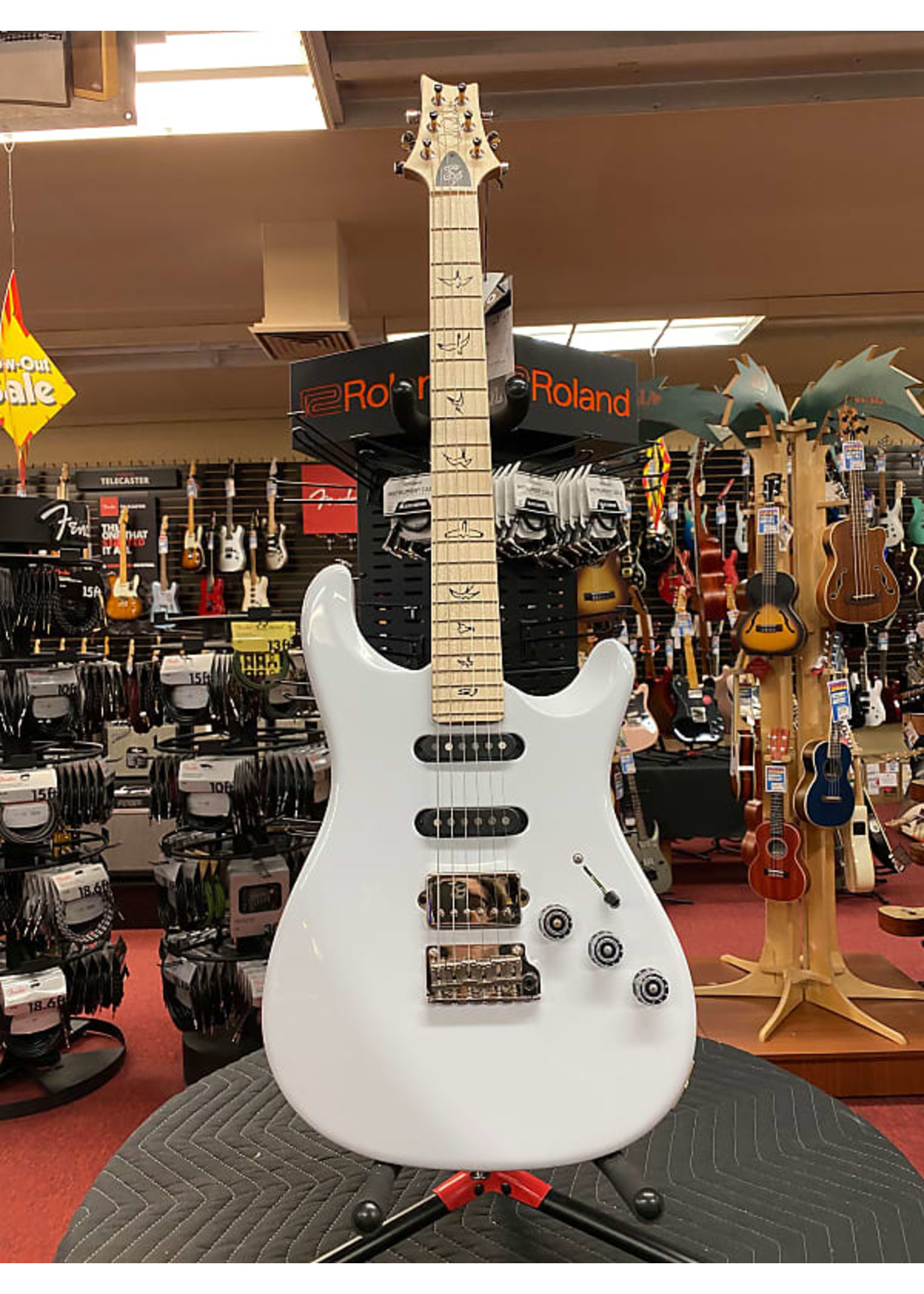 Paul Reed Smith Paul Reed Smith Fiore Electric Guitar - Sugar Moon with Maple Fingerboard