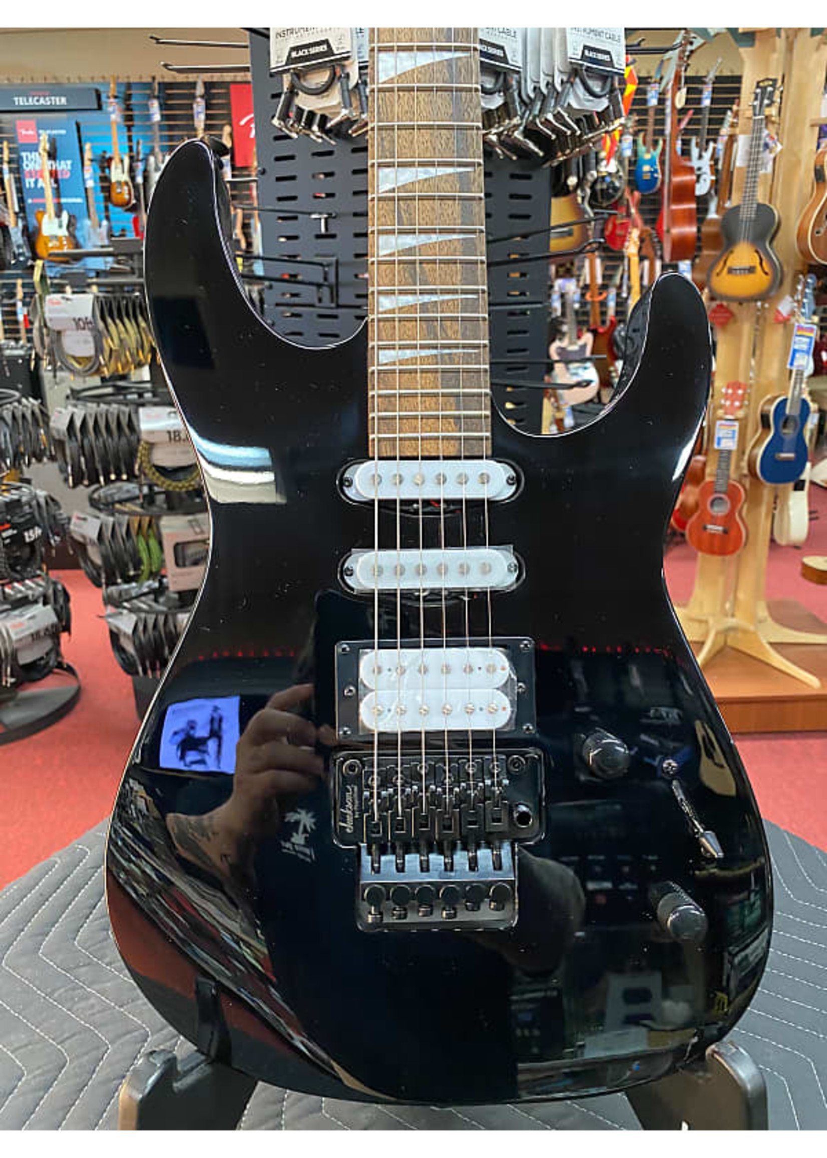 Jackson Jackson X Series Dinky™ DK3XR HSS, Laurel Fingerboard, Gloss Black