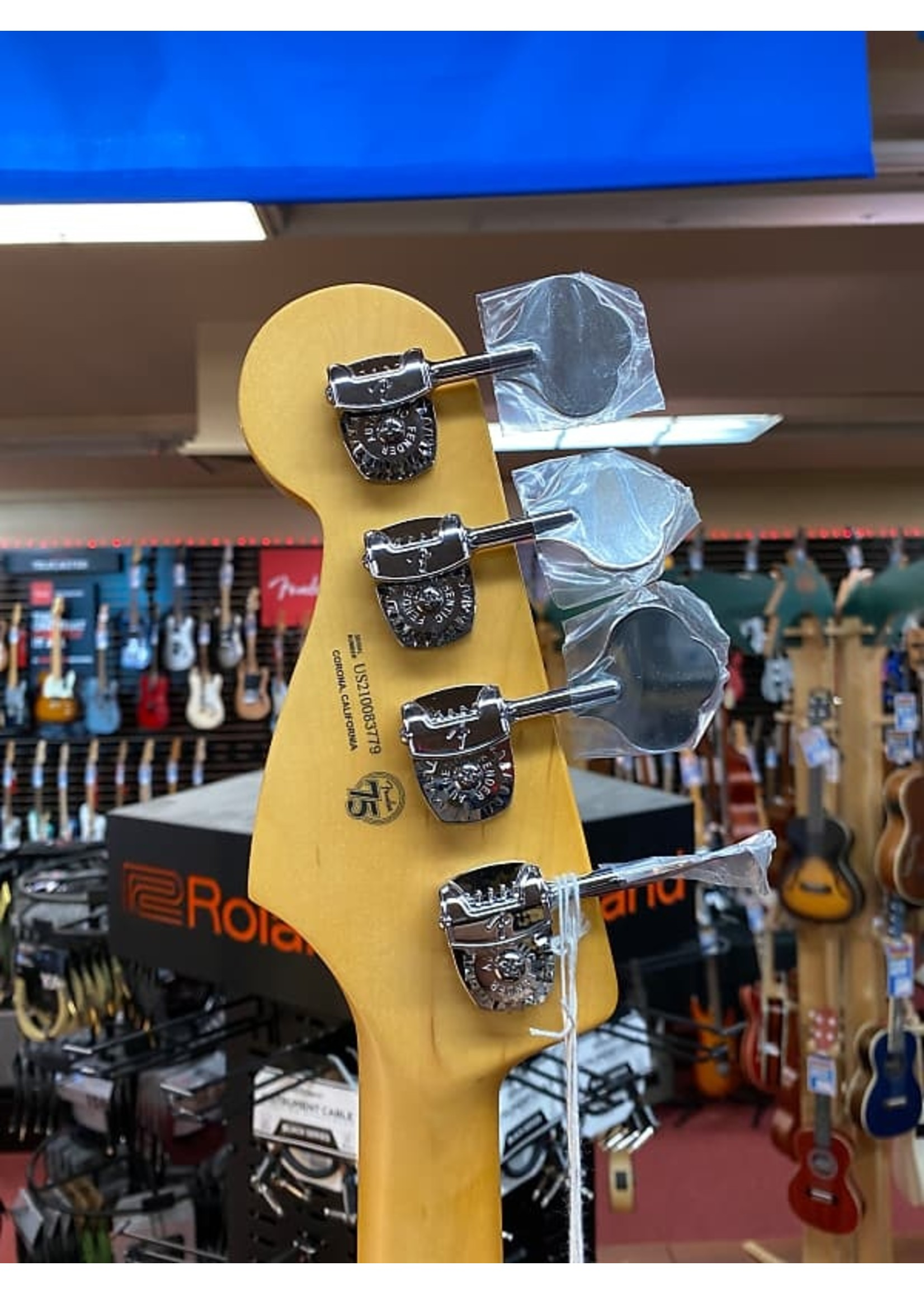 Fender Fender American Professional II Jazz Bass®, Maple Fingerboard, Olympic White