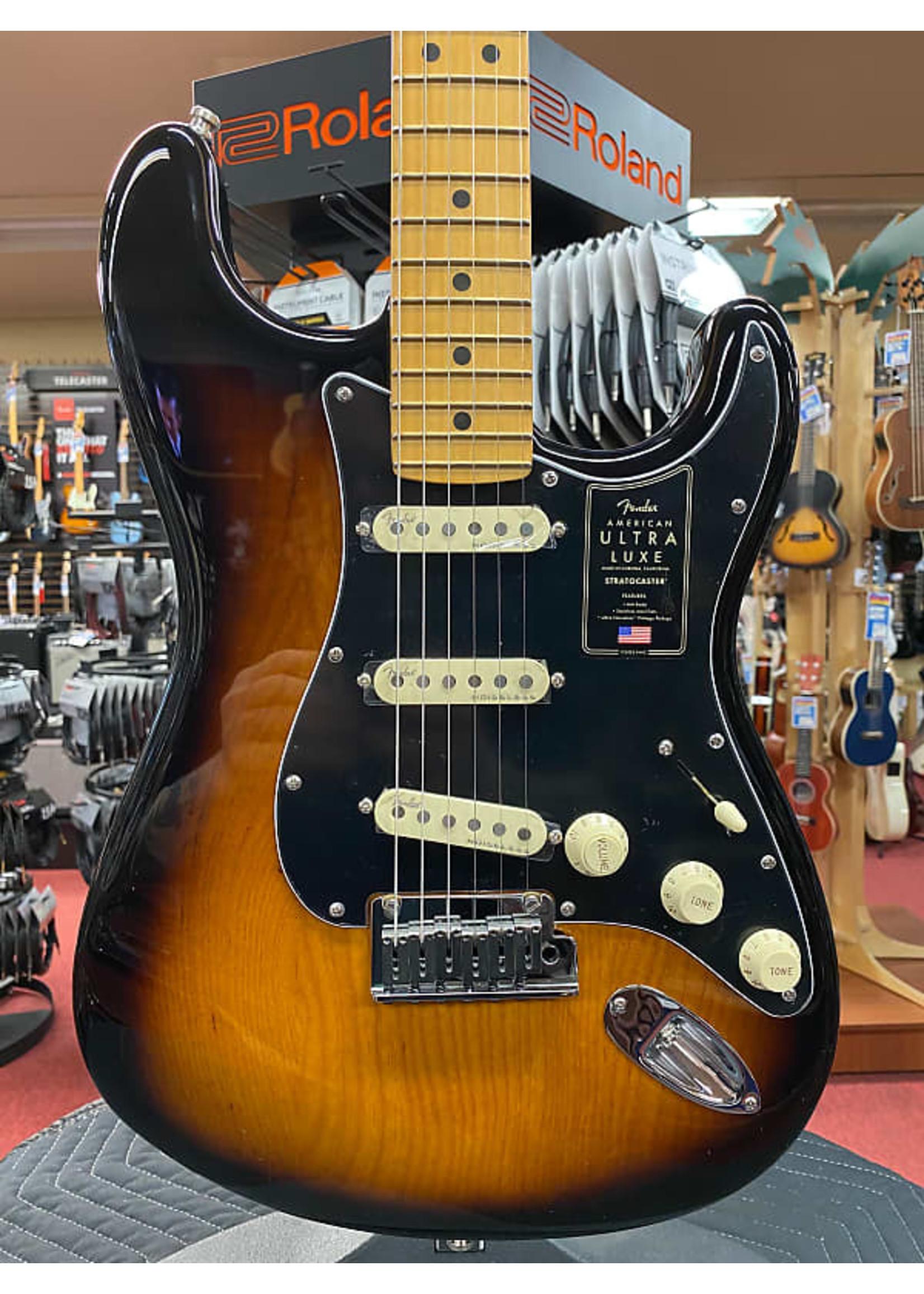 Fender Fender American Ultra Luxe Stratocaster®, Maple Fingerboard, 2-Color Sunburst