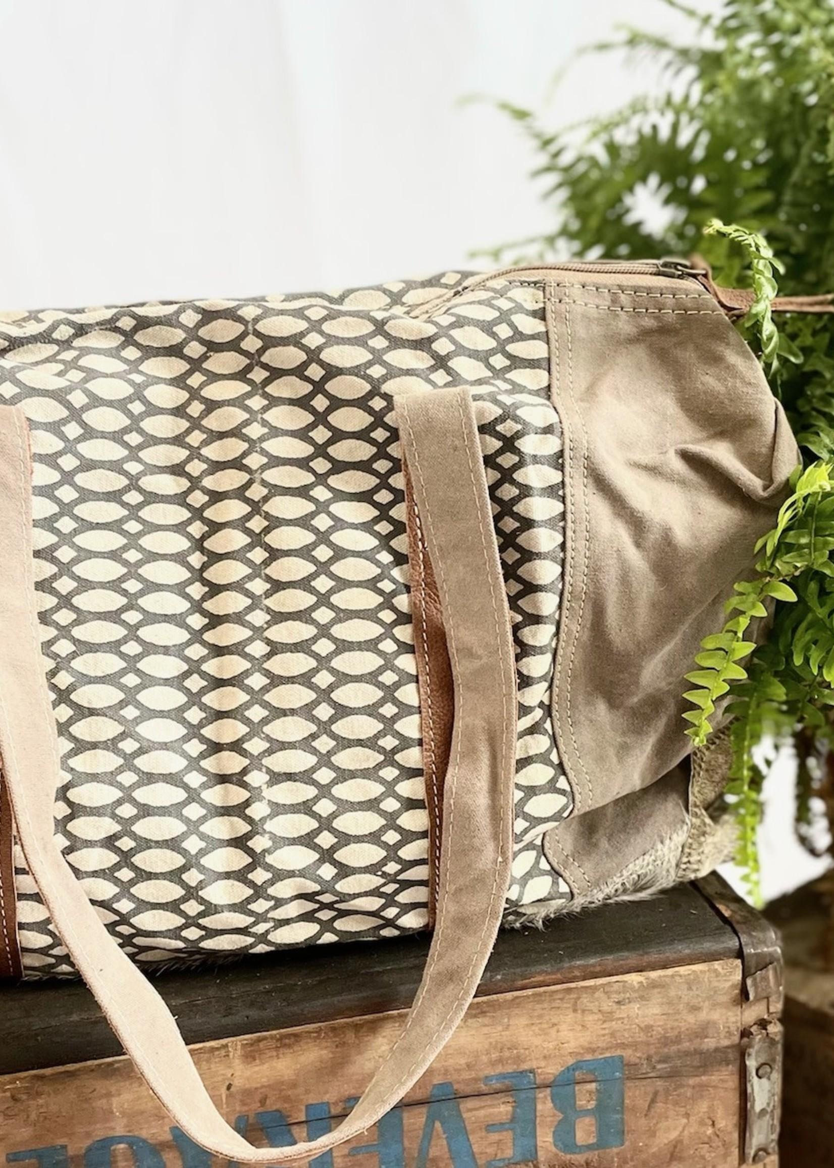 Honey Bee Print Travel Bag