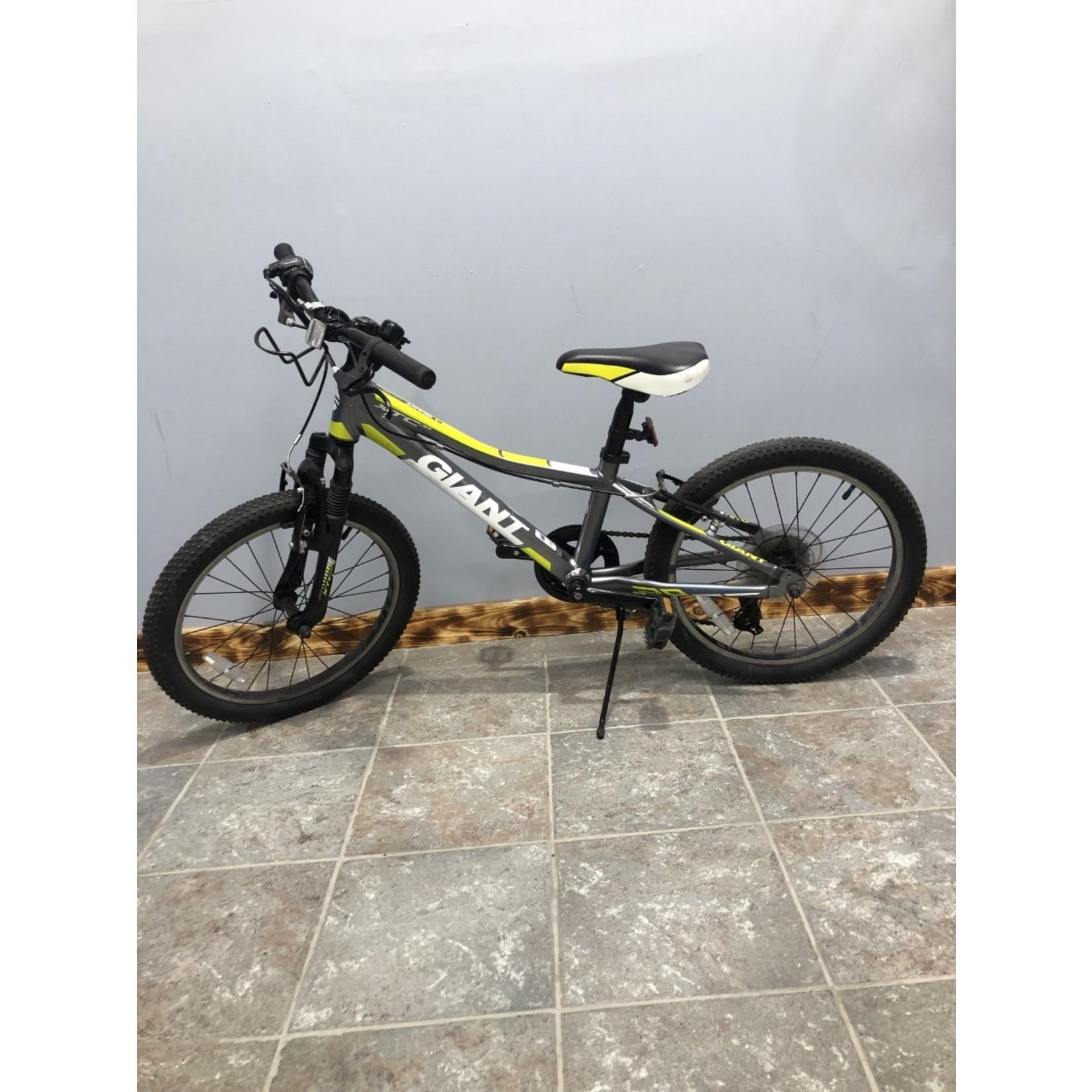 Giant XTC Jr 20 Used 300
