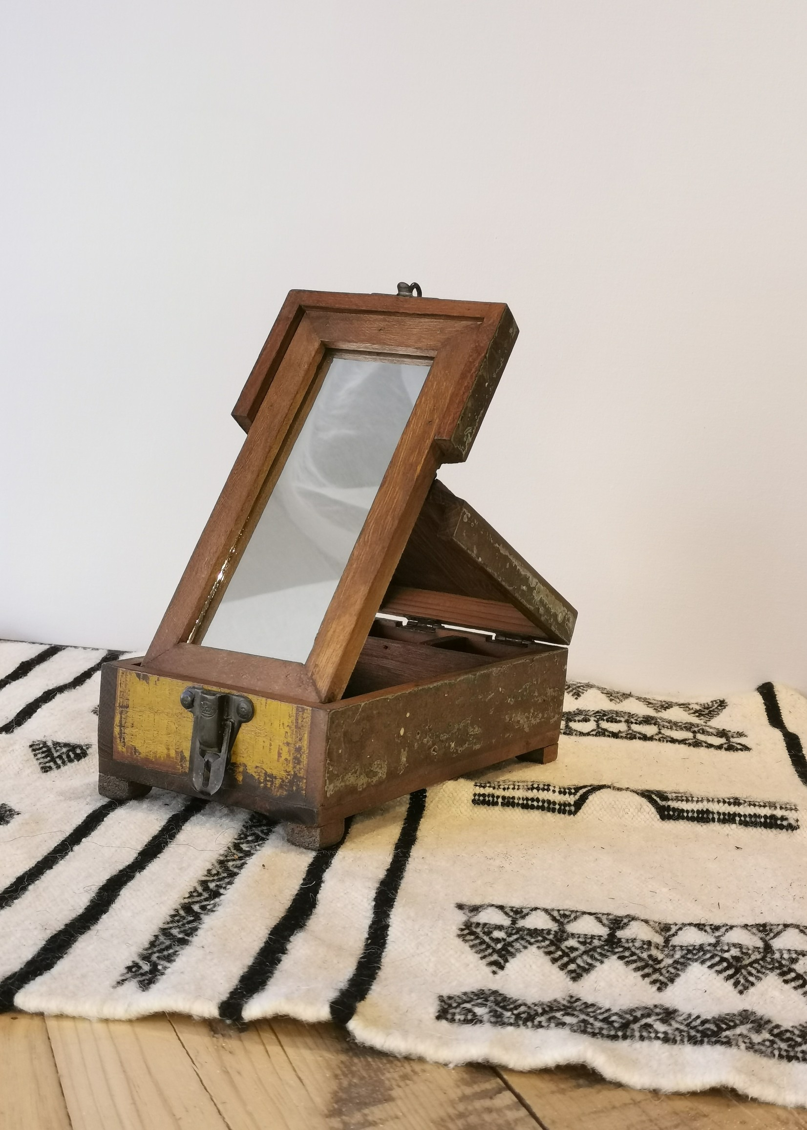 Importation Barber box