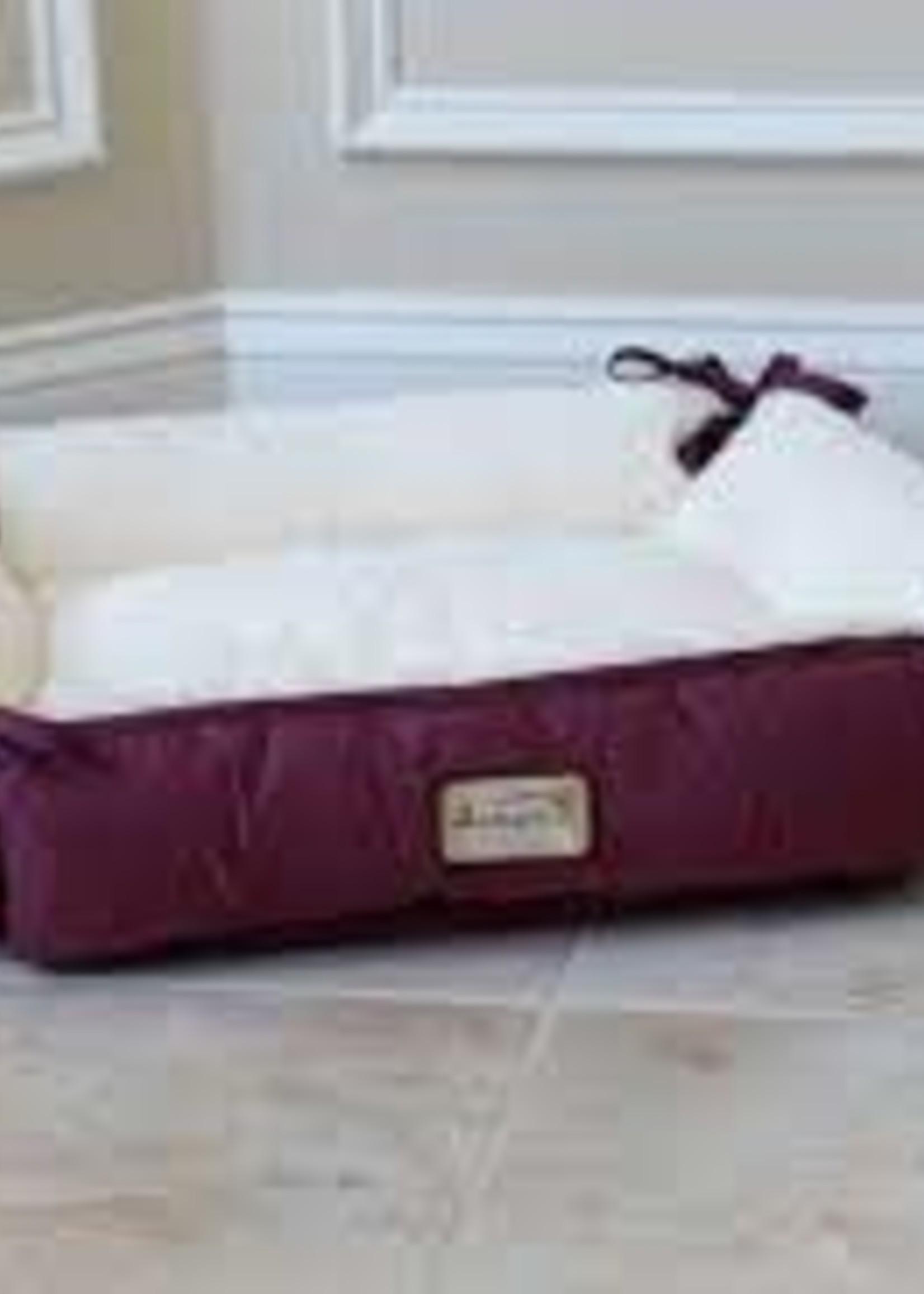 Armarkat Armarkat 2-In-1 Cat Pet Bed & Fleece Burgundy/Ivory