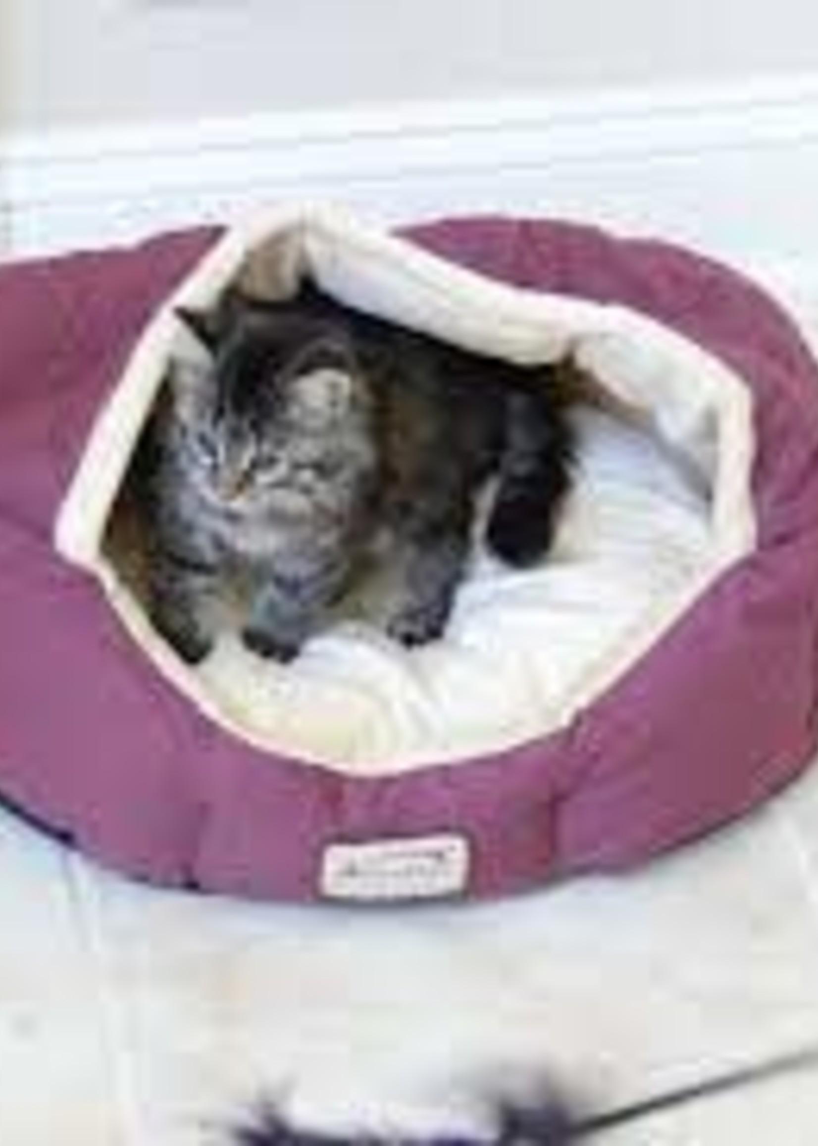 Armarkat Armarkat Small Pet Bed Burgundy/Ivory