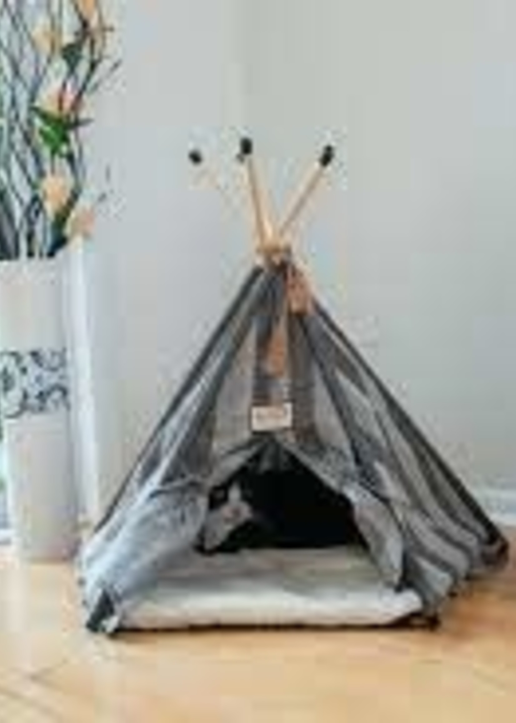 Armarkat Armarkat Cat Bed Teepee Style w/Striped Pattern
